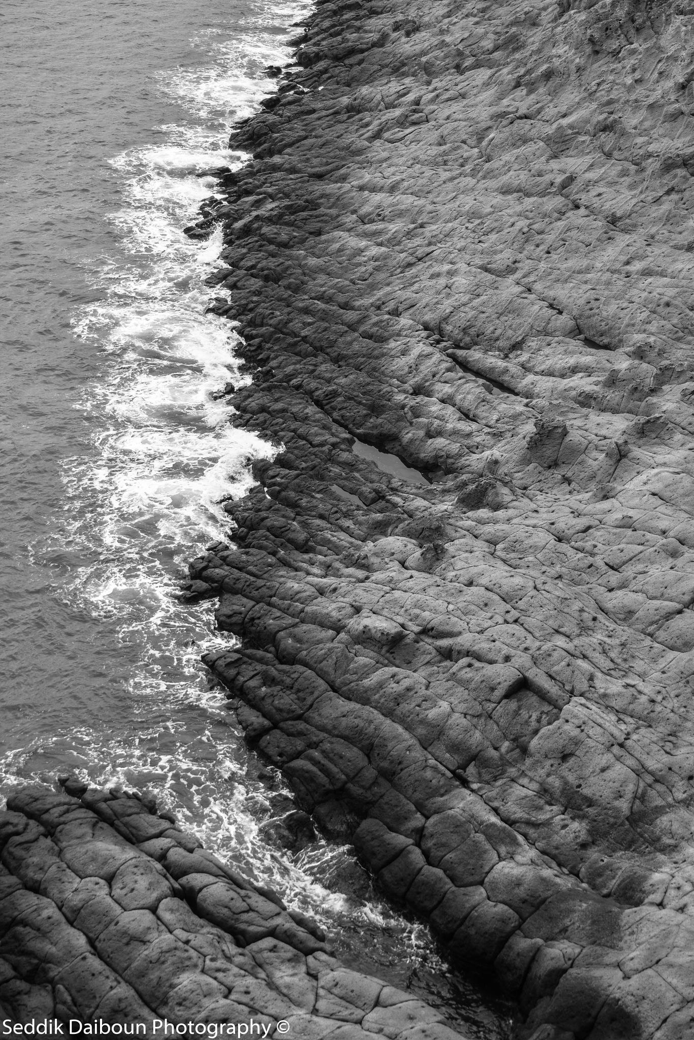 Double waves illusion  by Seddik Daiboun Sahel