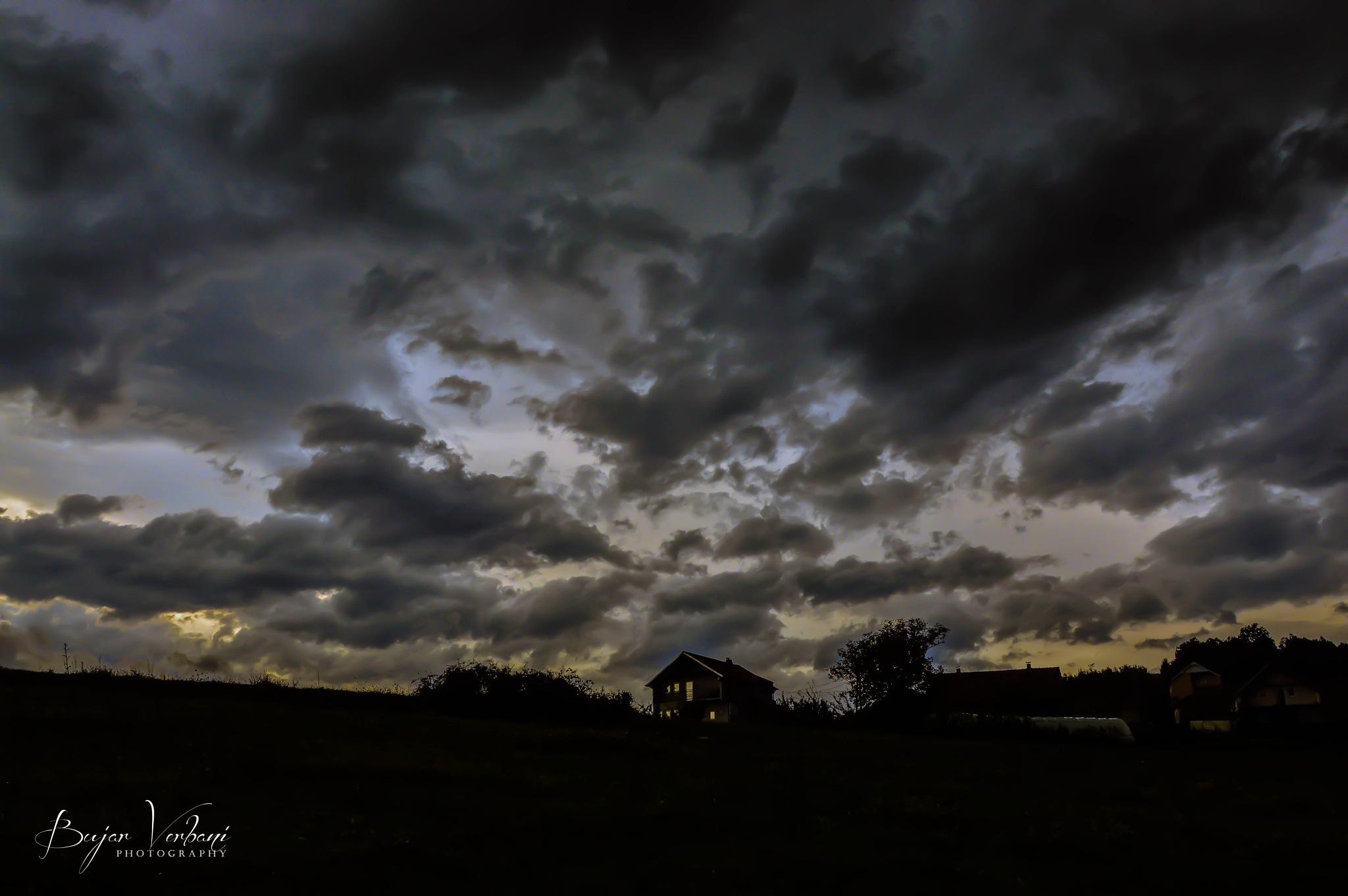 Dramatik Sky by Bujar Vërbani