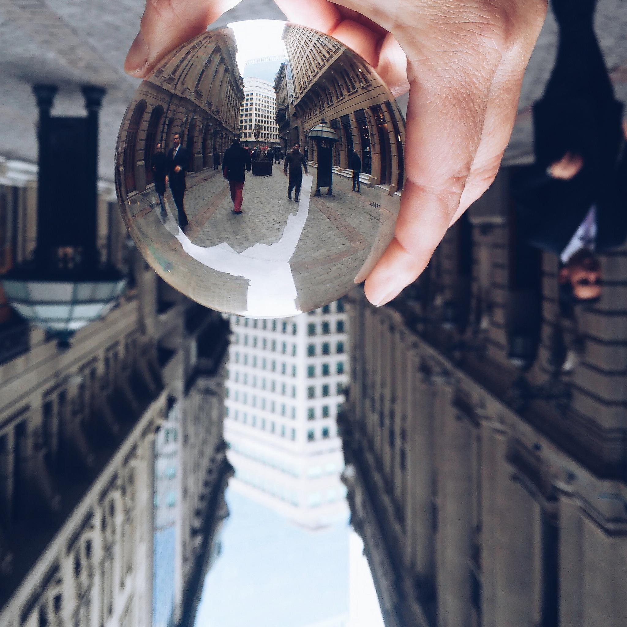 Urbe en el cristal by Natalia Cea Saldias