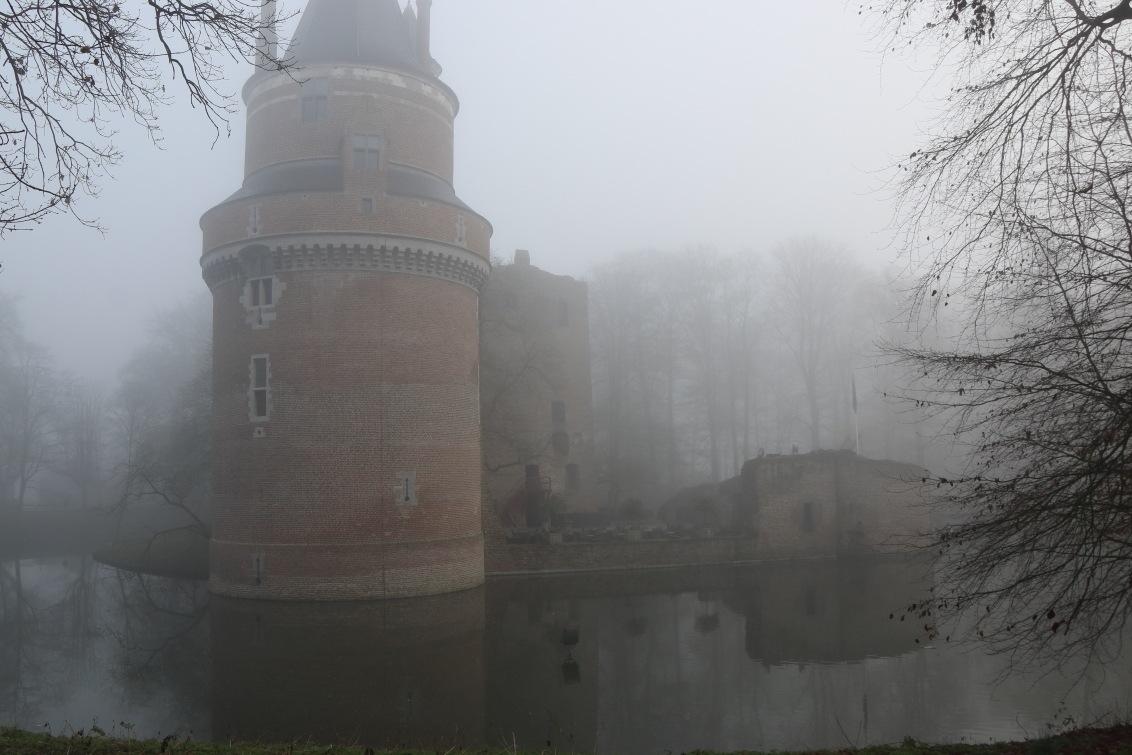 Kasteel Duurstede in de mist by kylstram