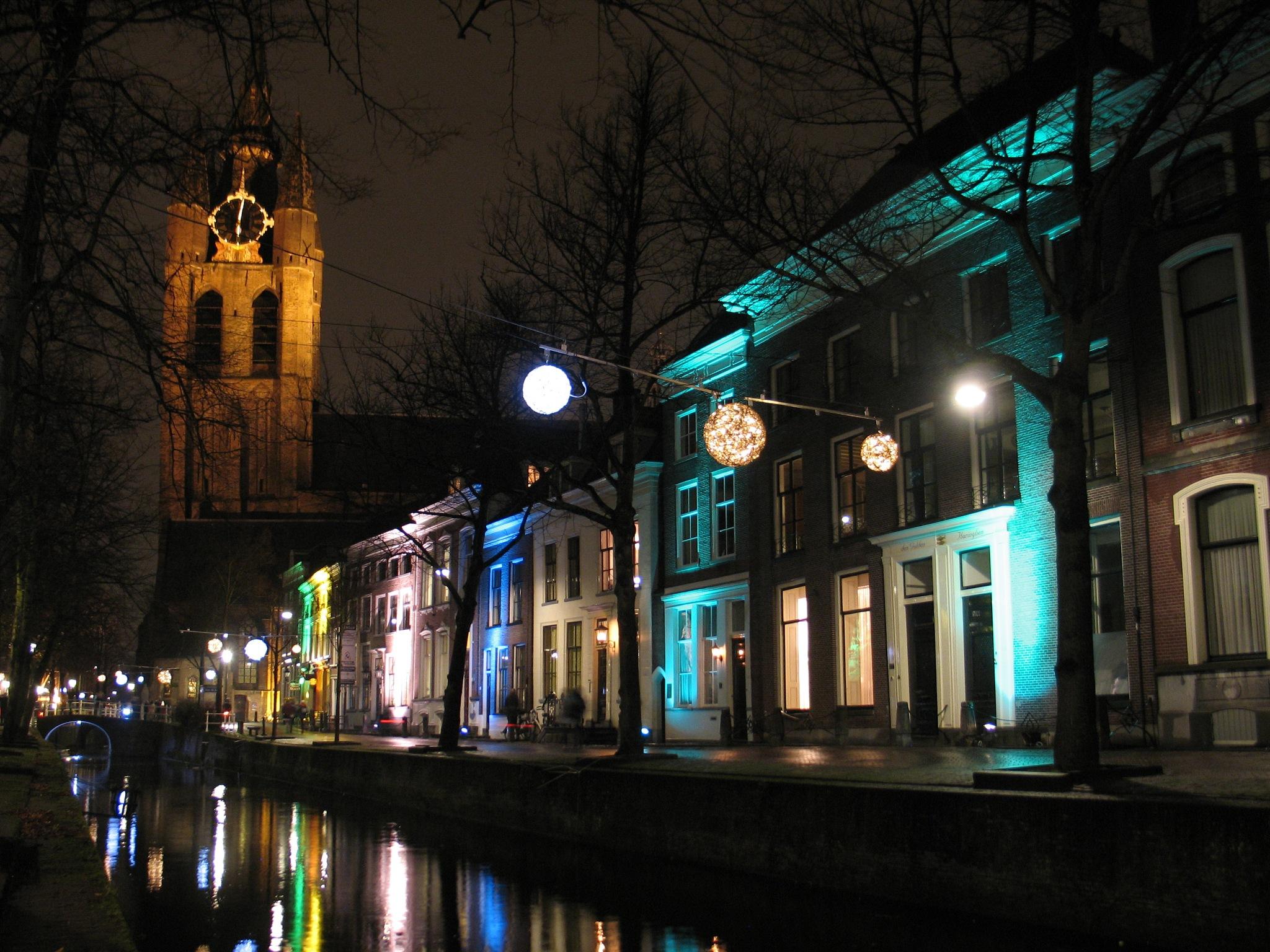 Delft - Lichtjesavond  by Fokko Verboom