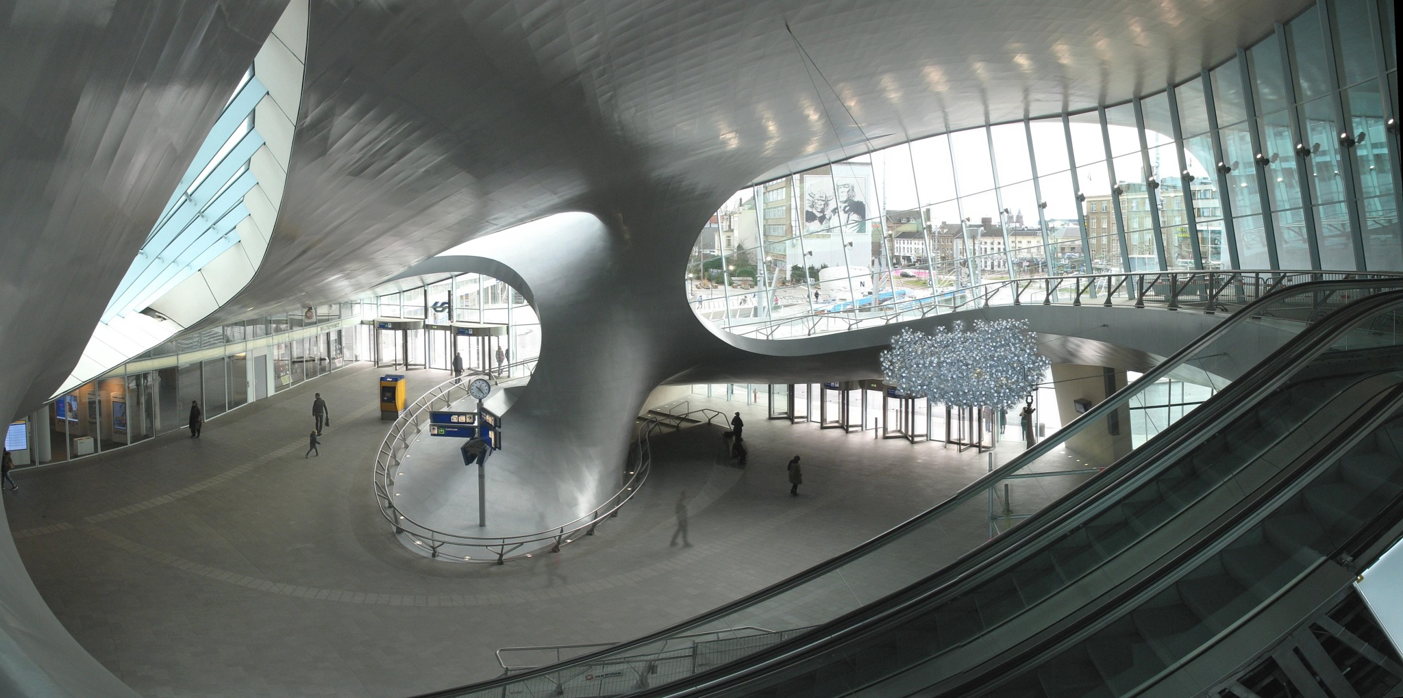 NS Station Arnhem by Fokko Verboom