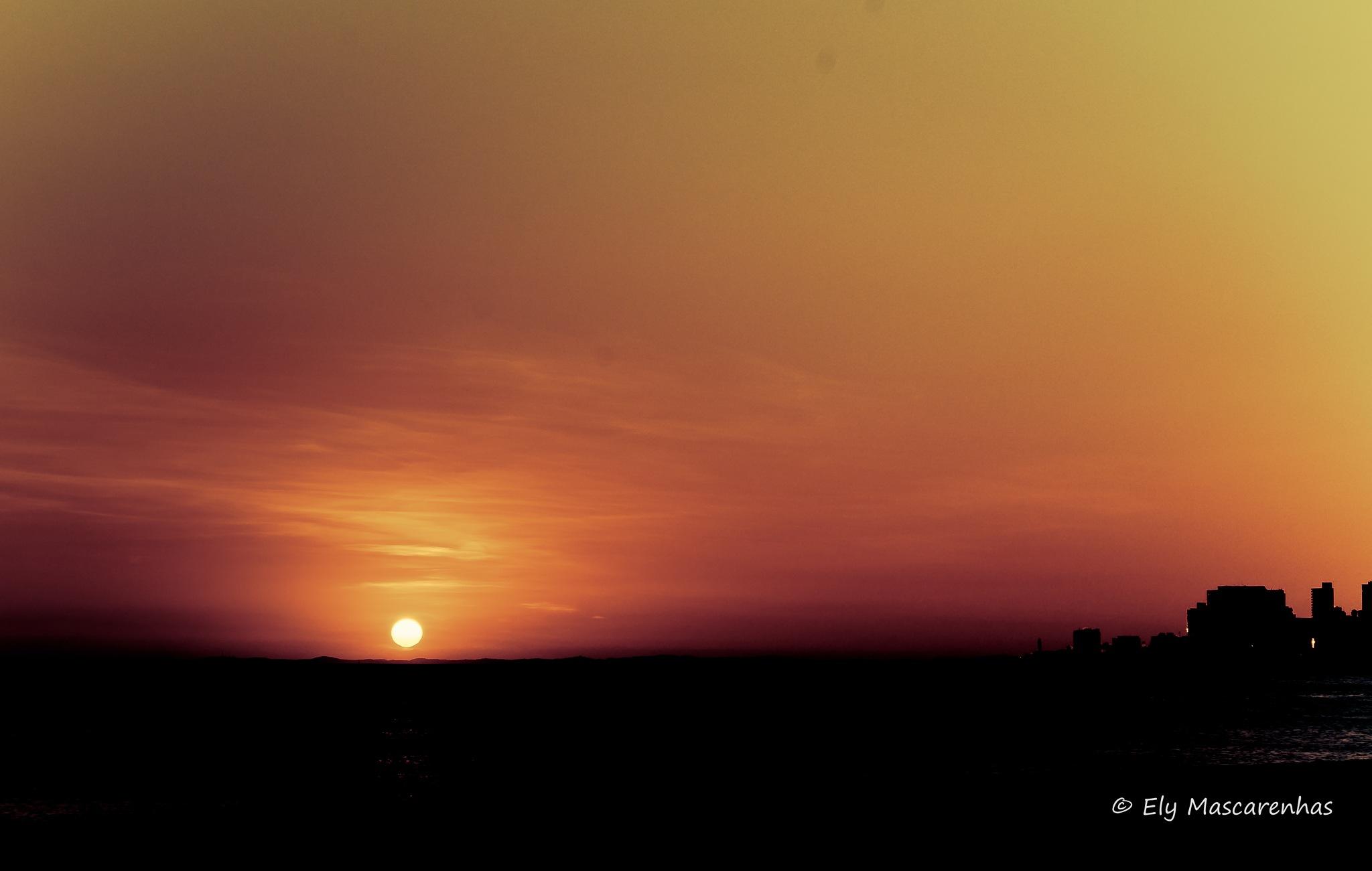 Minimalist Sunset by Ely Mascarenhas