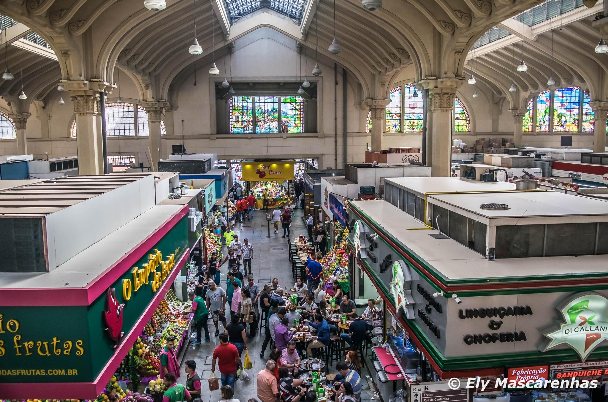 No Mercado de São Paulo by Ely Mascarenhas