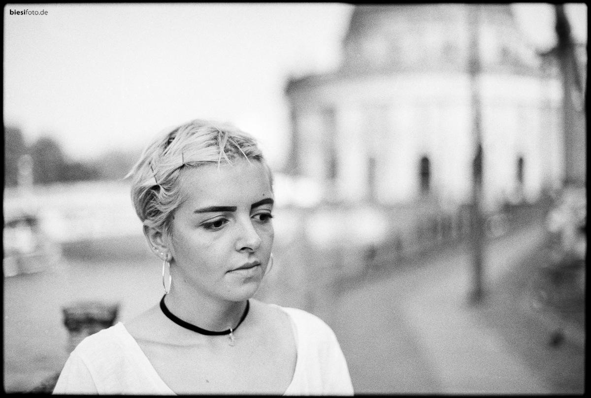 Berlin girl by biesifoto