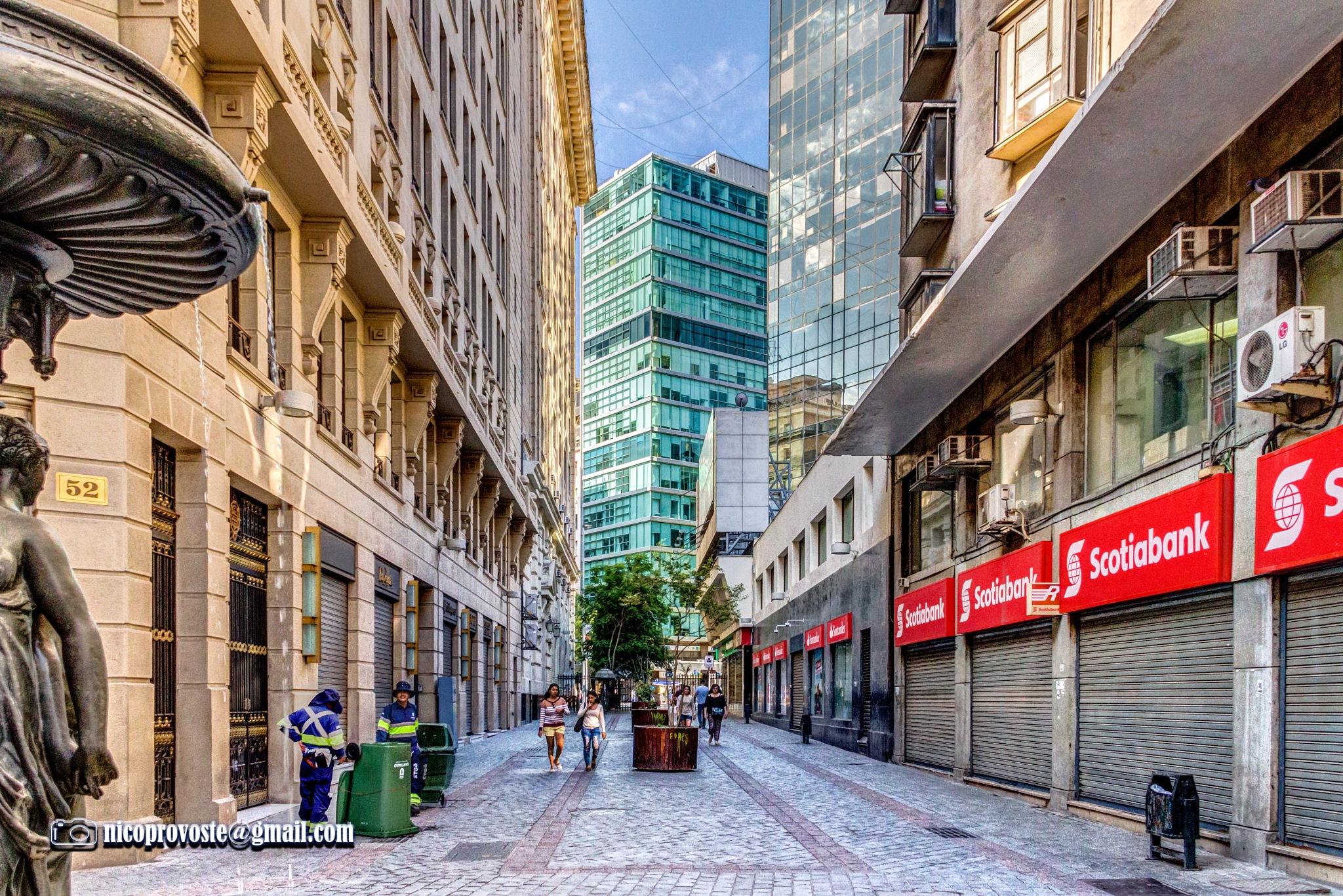 Calle Nueva York, Santiago de Chile by nicolasprovoste