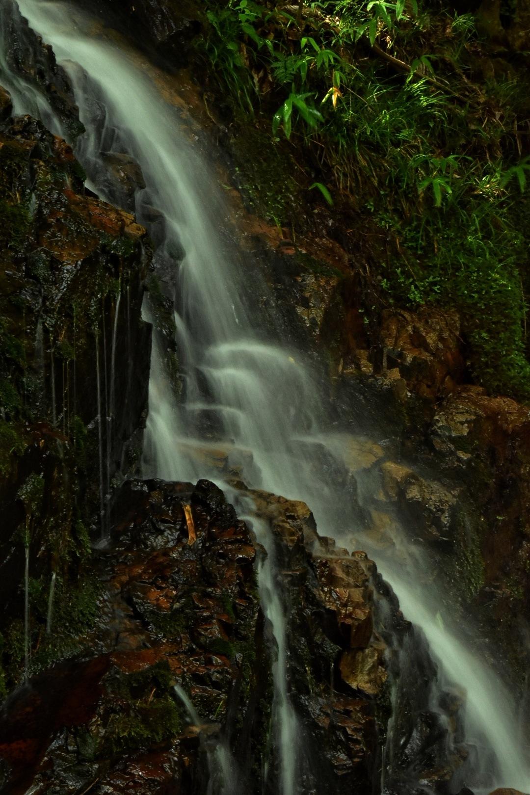 京都。水晶簾の滝 by kumikoxinye