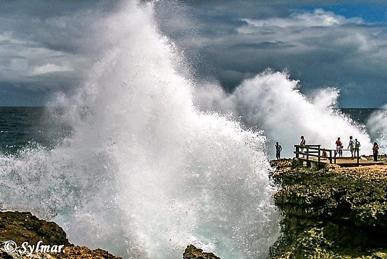 very high waves. by Sylmar