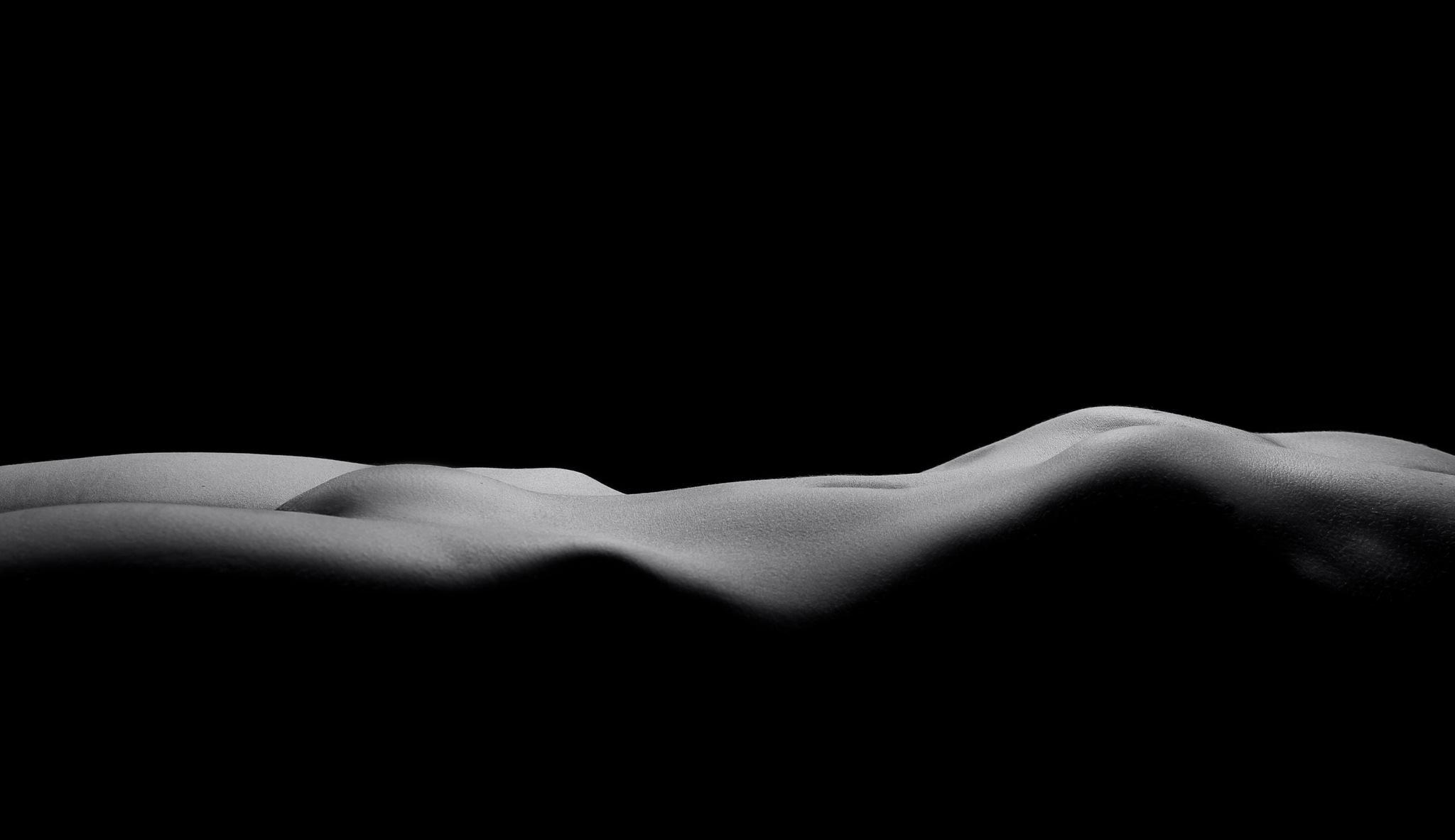 Bodyscape Body of Curves by EelkoBouma