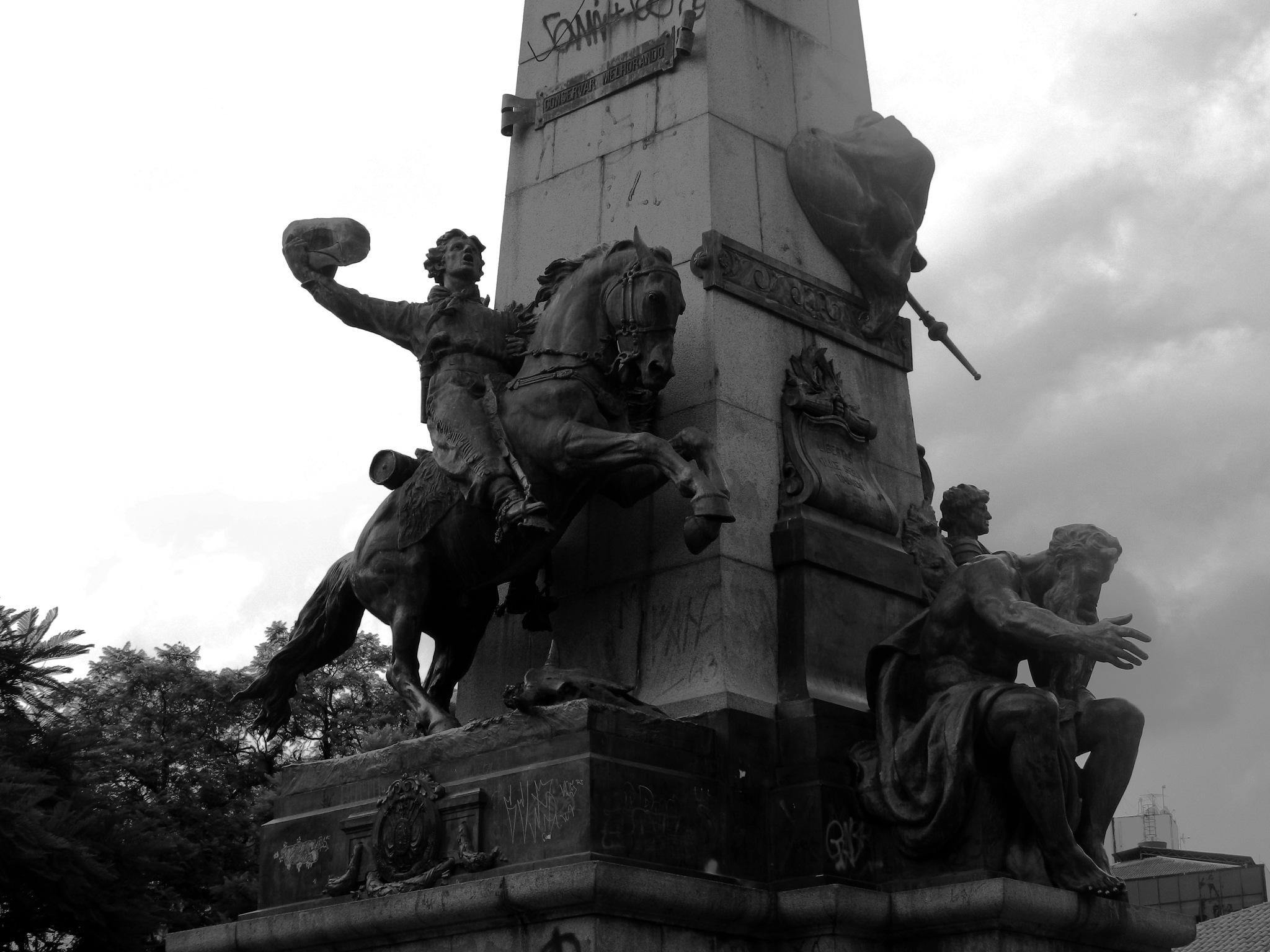 Monumento a Julio de Castilhos by roneilow