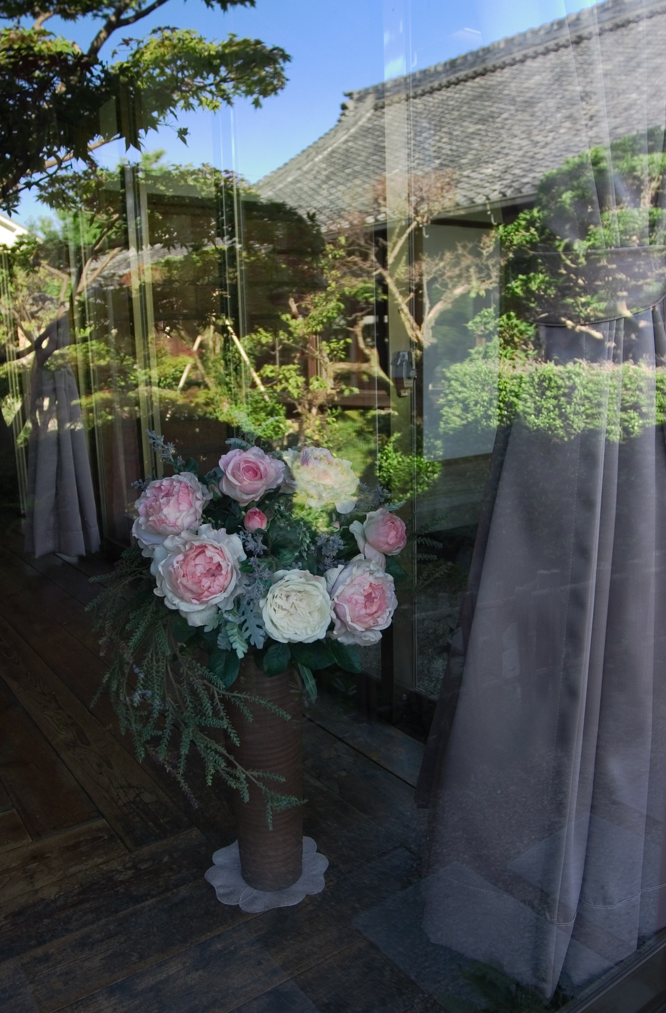 Flower by the window by kaori_atusi