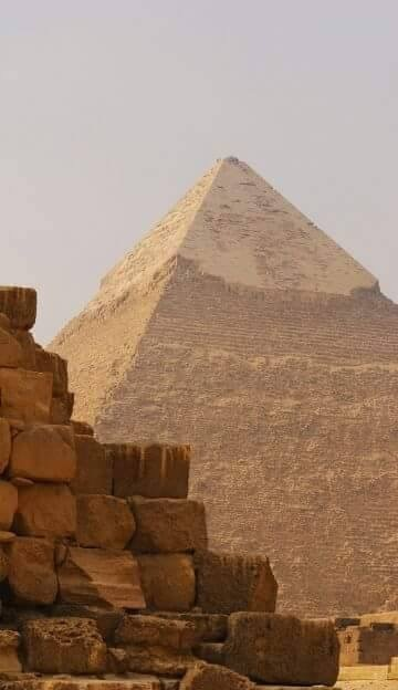 Welecome to Egypt....the Pyramids  of Giza. by Ashraf Younis