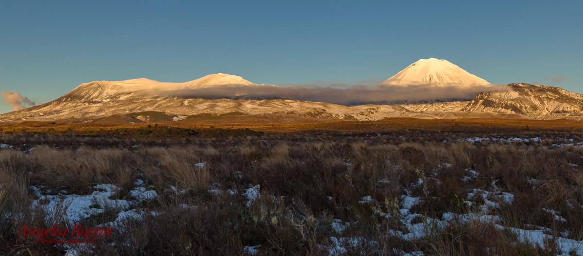 Clouding up to Mount Tongariro and Mount Ngauruhoe by AnnekaBarrittphotographyNZ