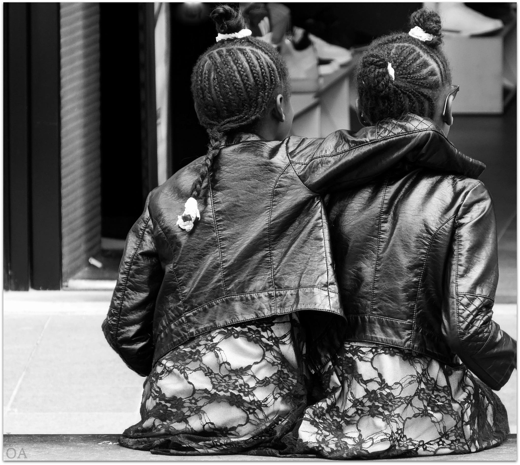 Sisters by imageofantwerp