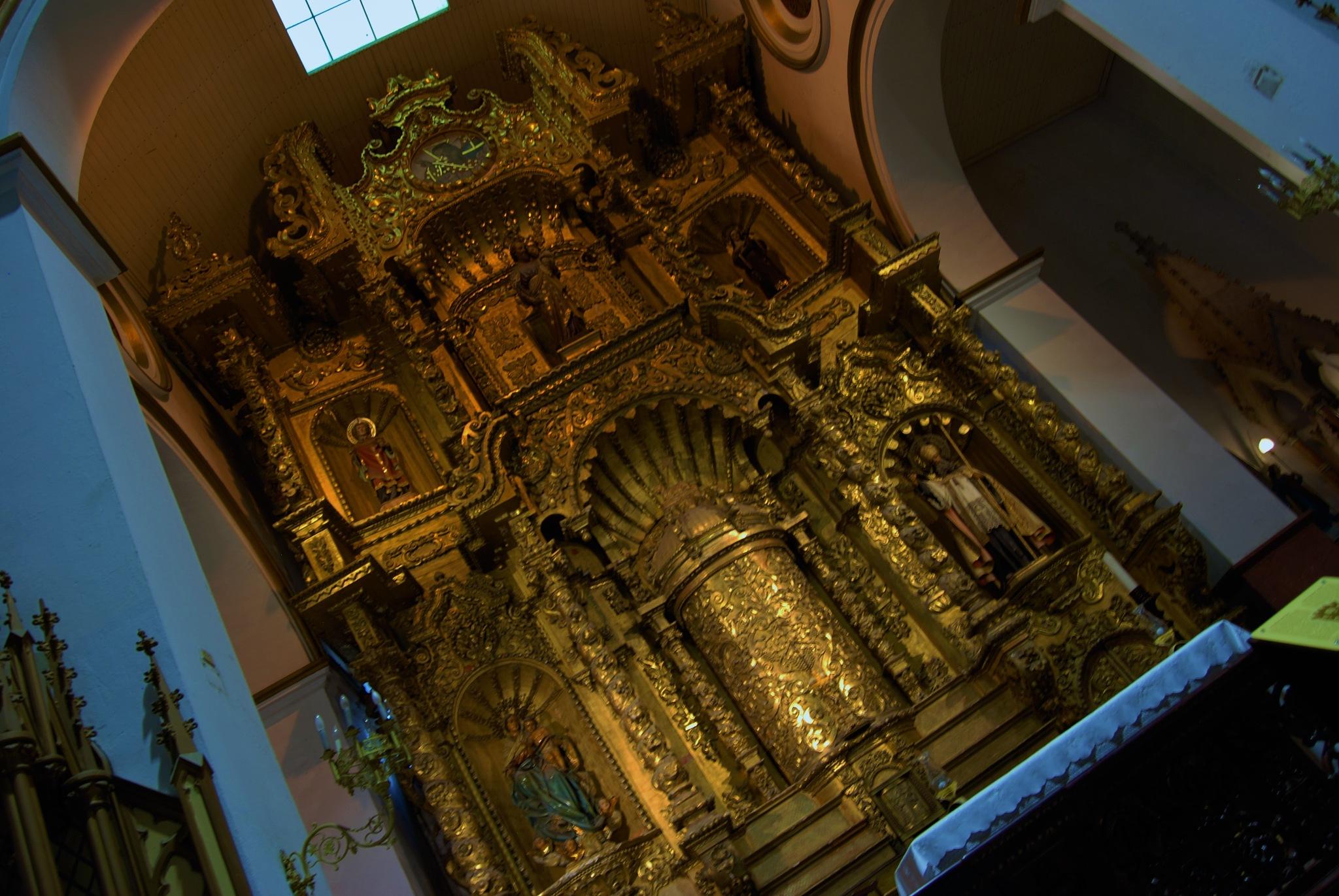 Altar de Oro, Iglesia San Jose, Panama by Raul Rovira Miranda