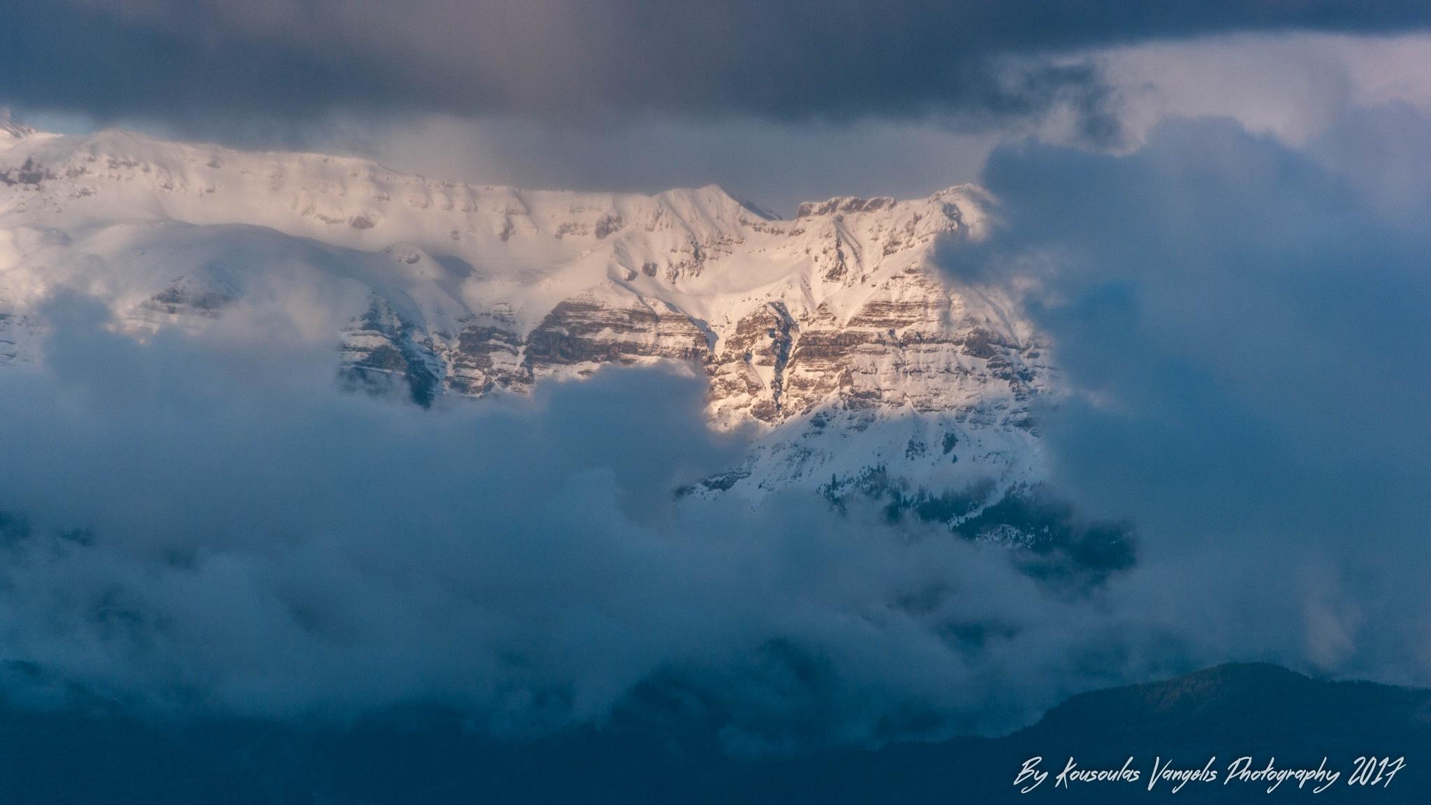 Tuesday evening Tzoumerka with fresh snow! by kousoulas vangelis