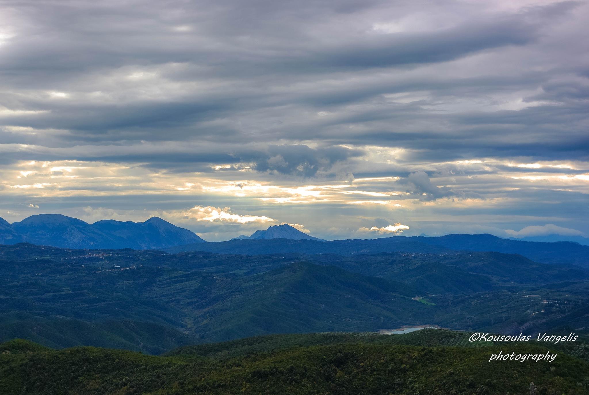 cloudy horizon by kousoulas vangelis