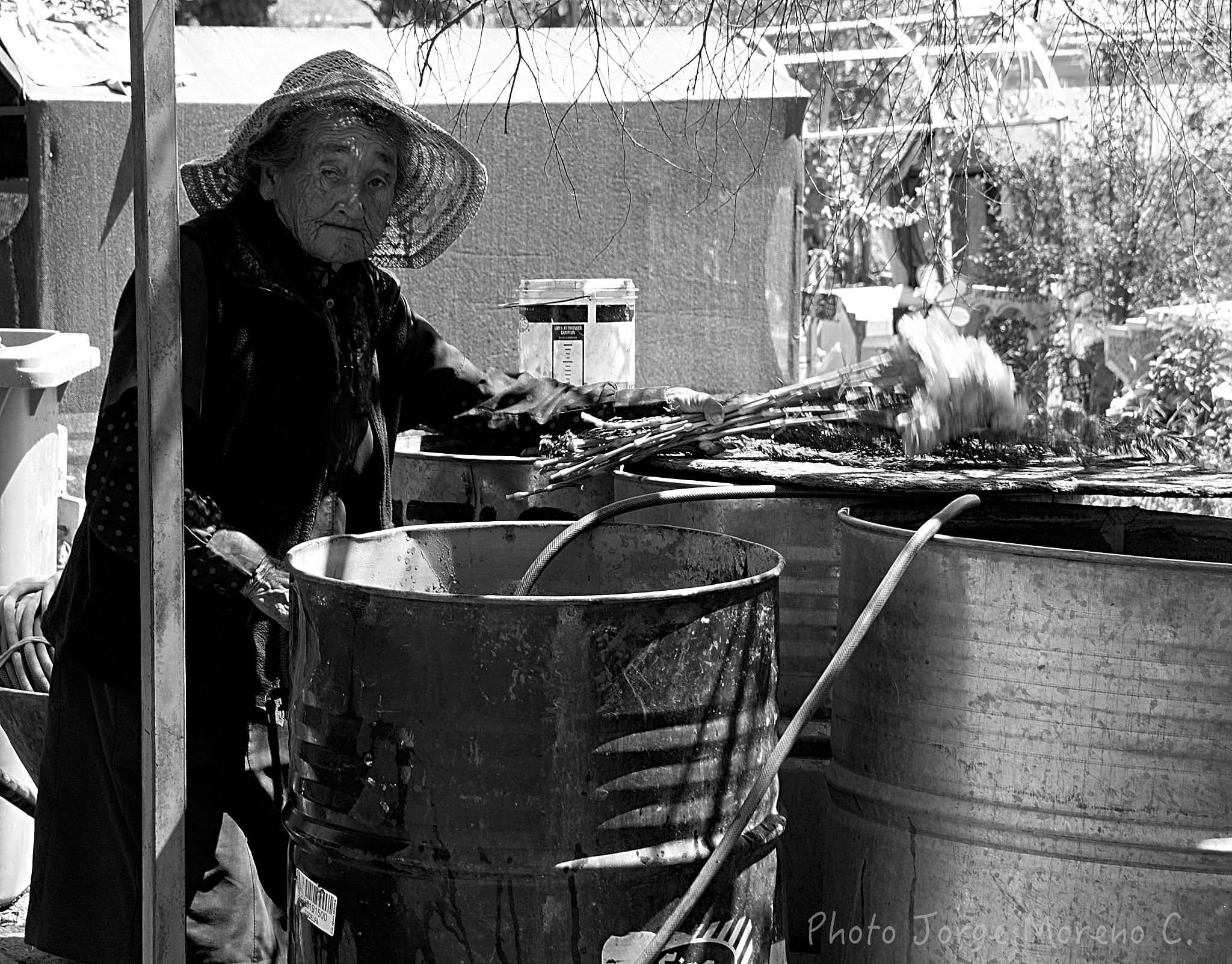 OLD WOMAN by Jorge Ricardo Moreno Contreras