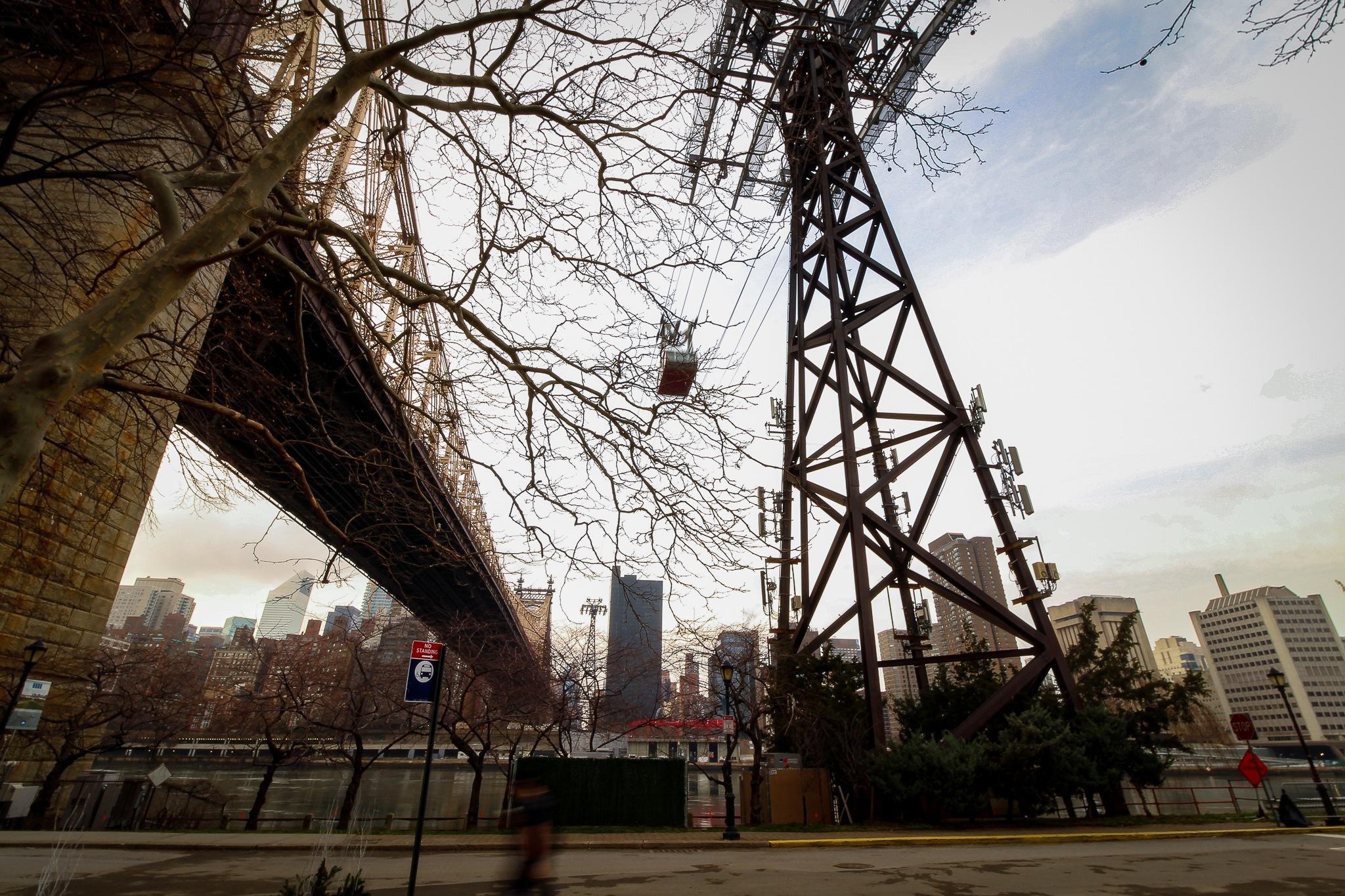Roosevelt Island Tramway and Queensboro Bridge, New York by Rafael Puerto