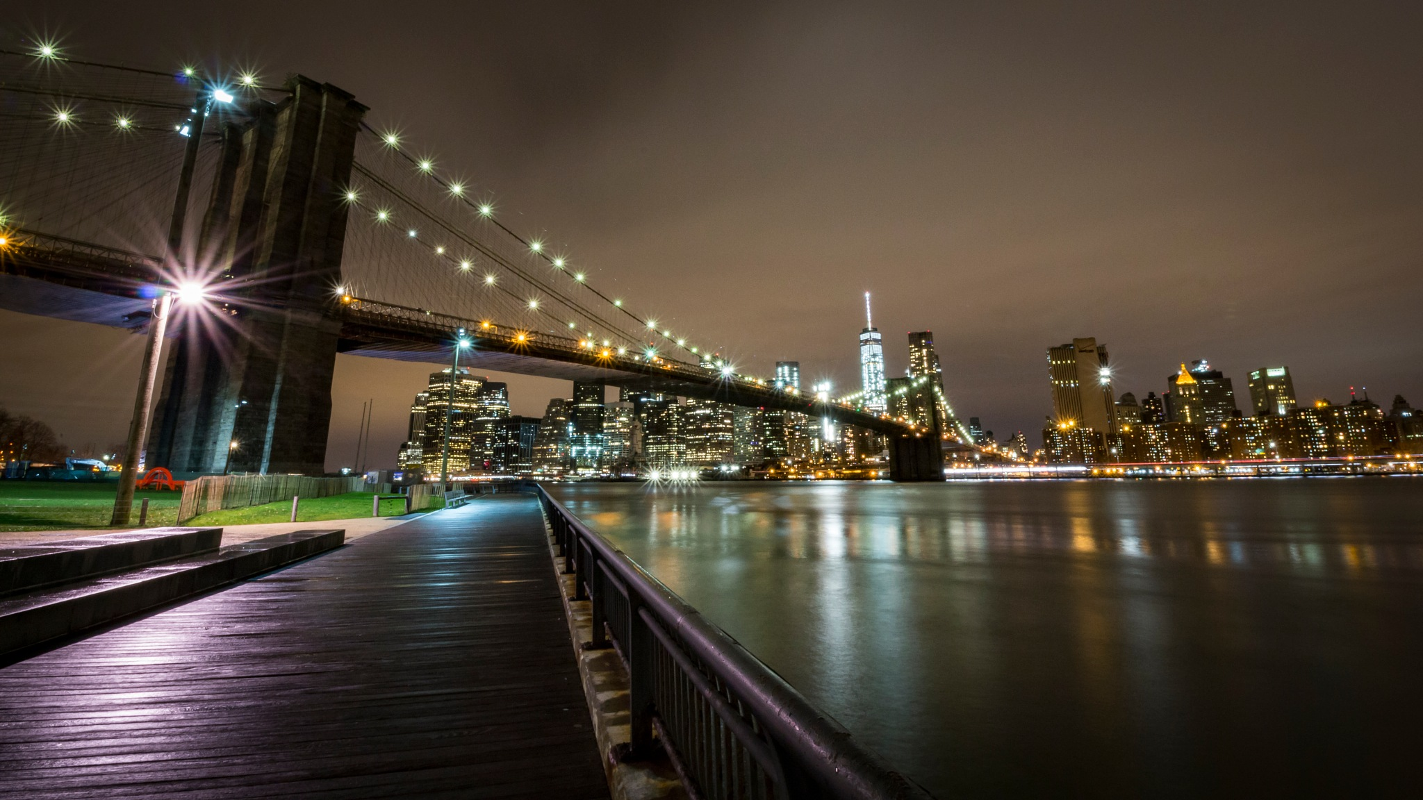 Brooklyn Bridge and Manhattan skyline by Rafael Puerto