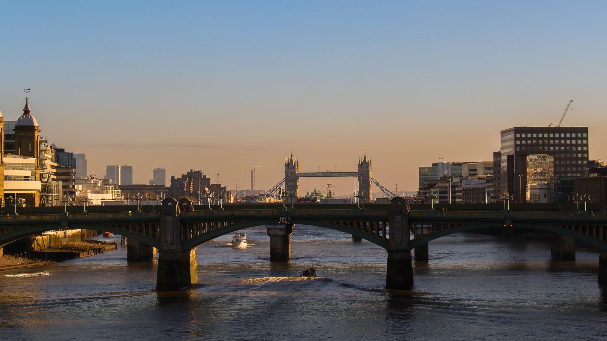 Sunset in London by Rafael Puerto