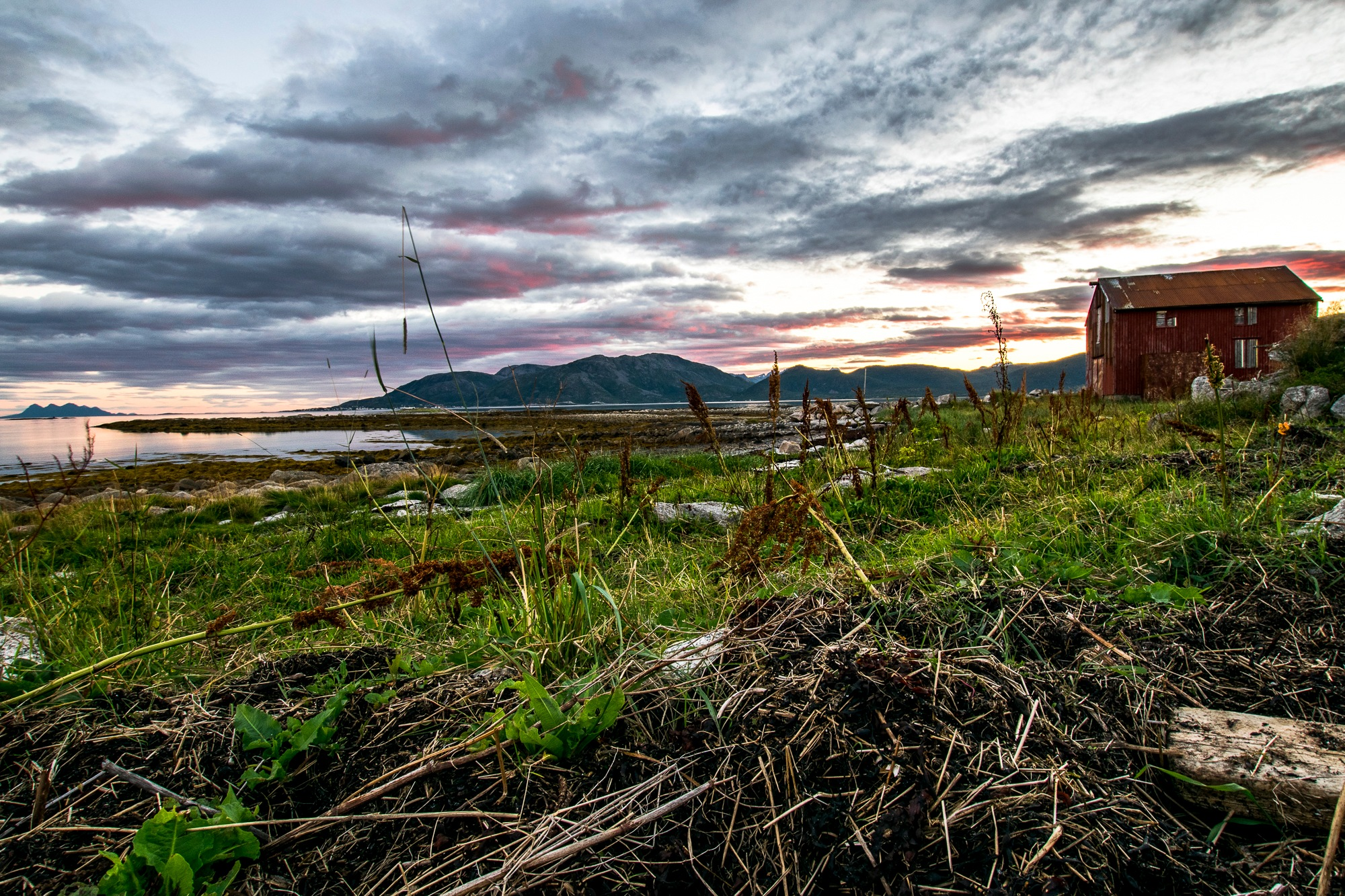 Kjerstad, Tjeldøya, Nordland, Norway by Roman Rogner