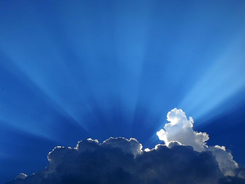 Tyndall-rays by Nata