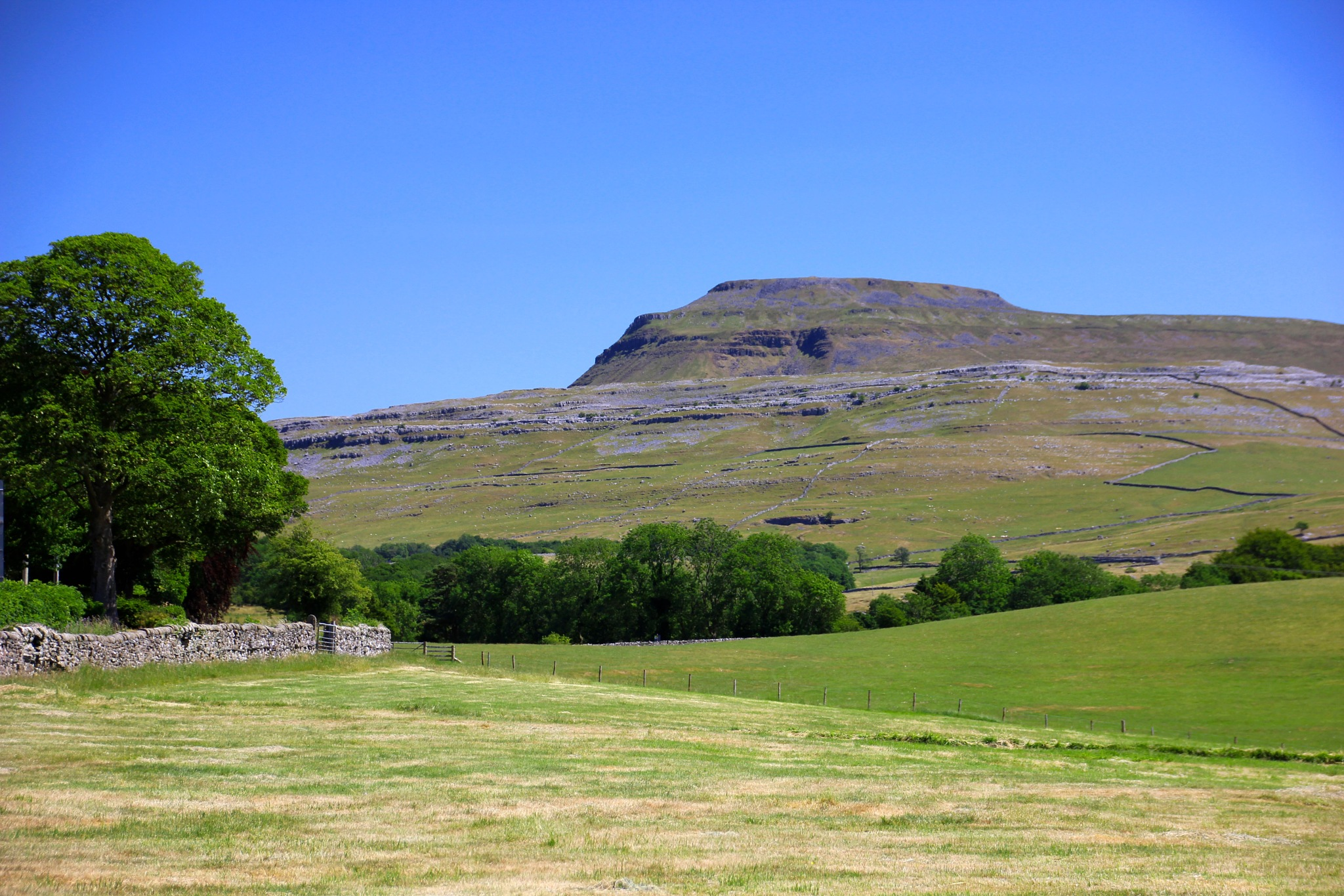 Ingleborough by byronram