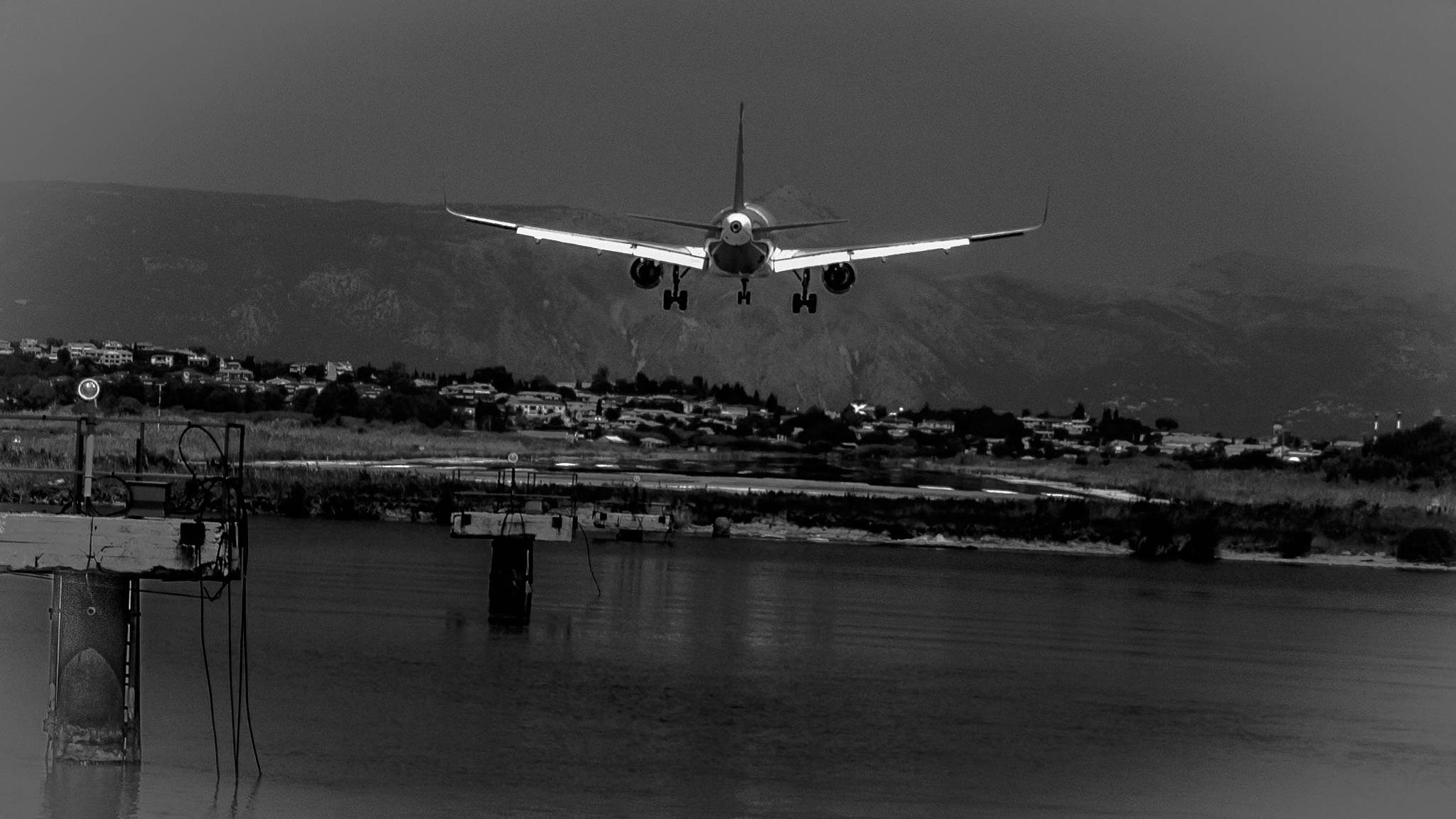 landing Corfu 2 by Kurt Land