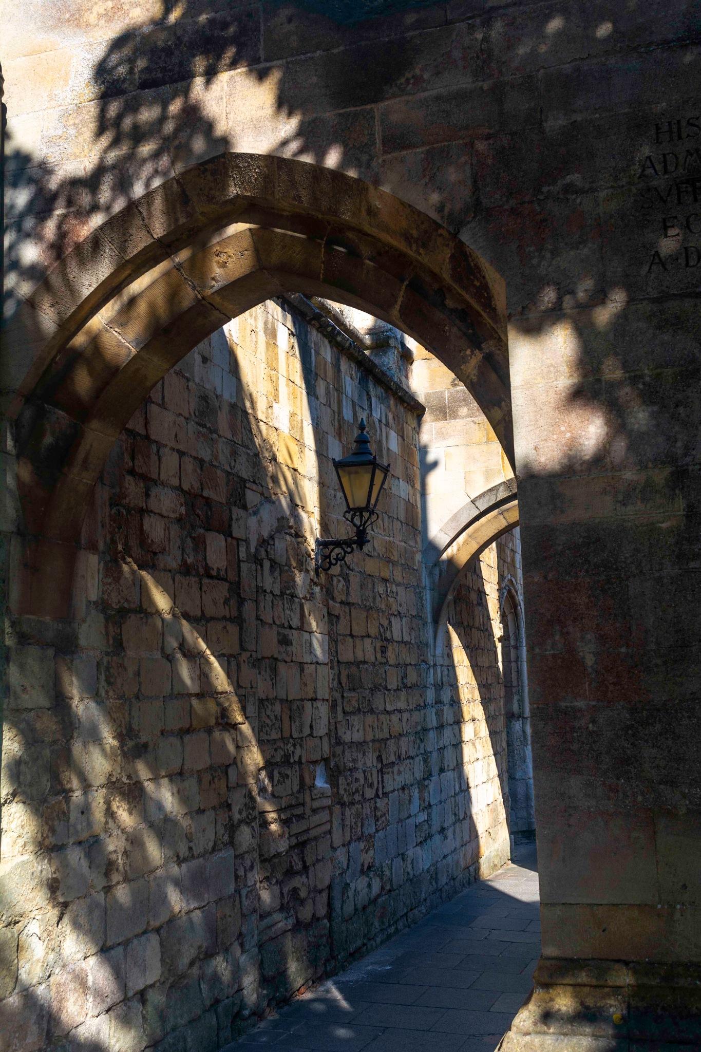 Arco y sombras by laprimerapalasatenea