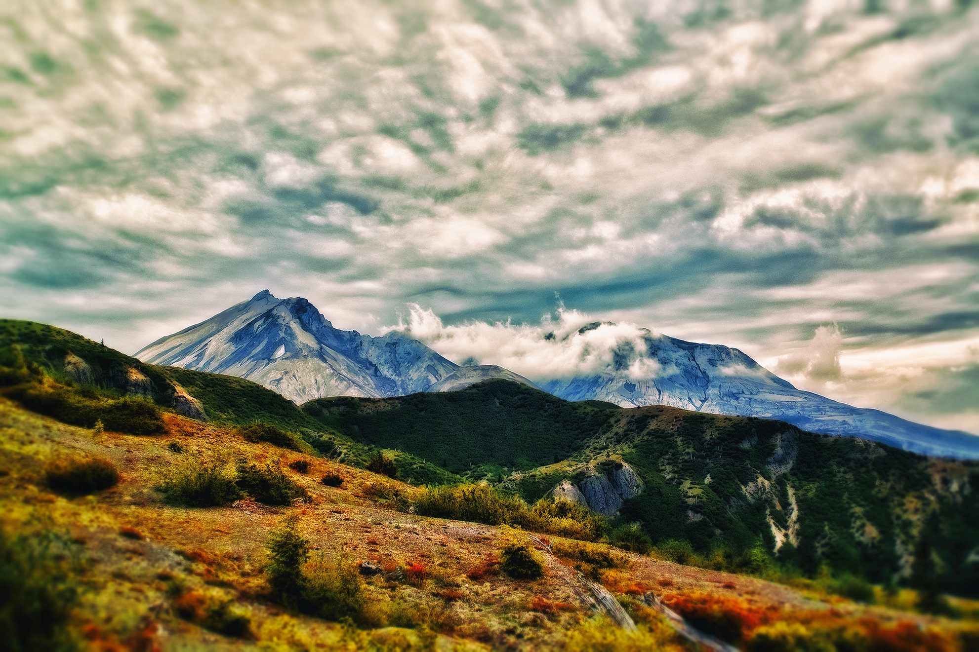 Helens HDR  by shanetzu