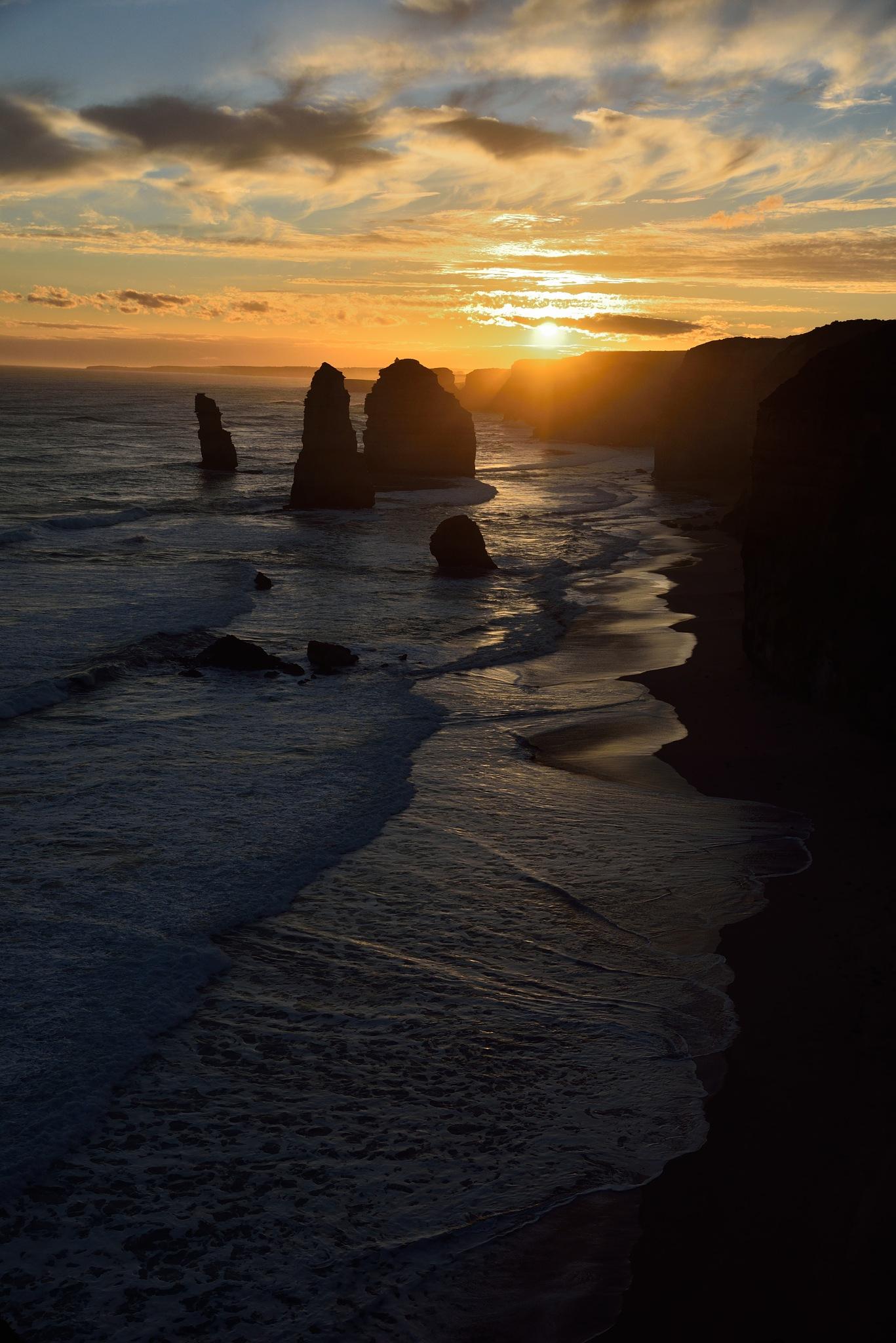 Twelve Apostles Australia by nickbrisbane