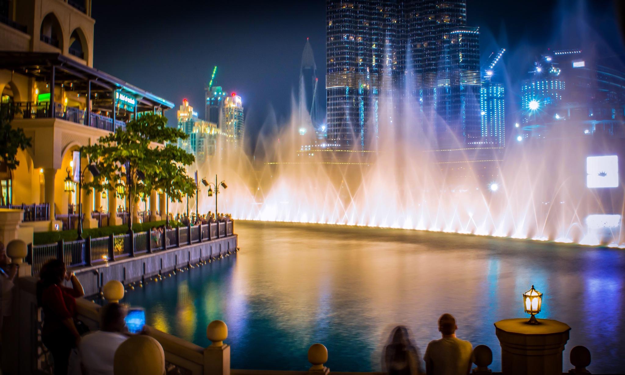 Dancing Fountain -Dubai by Delyn