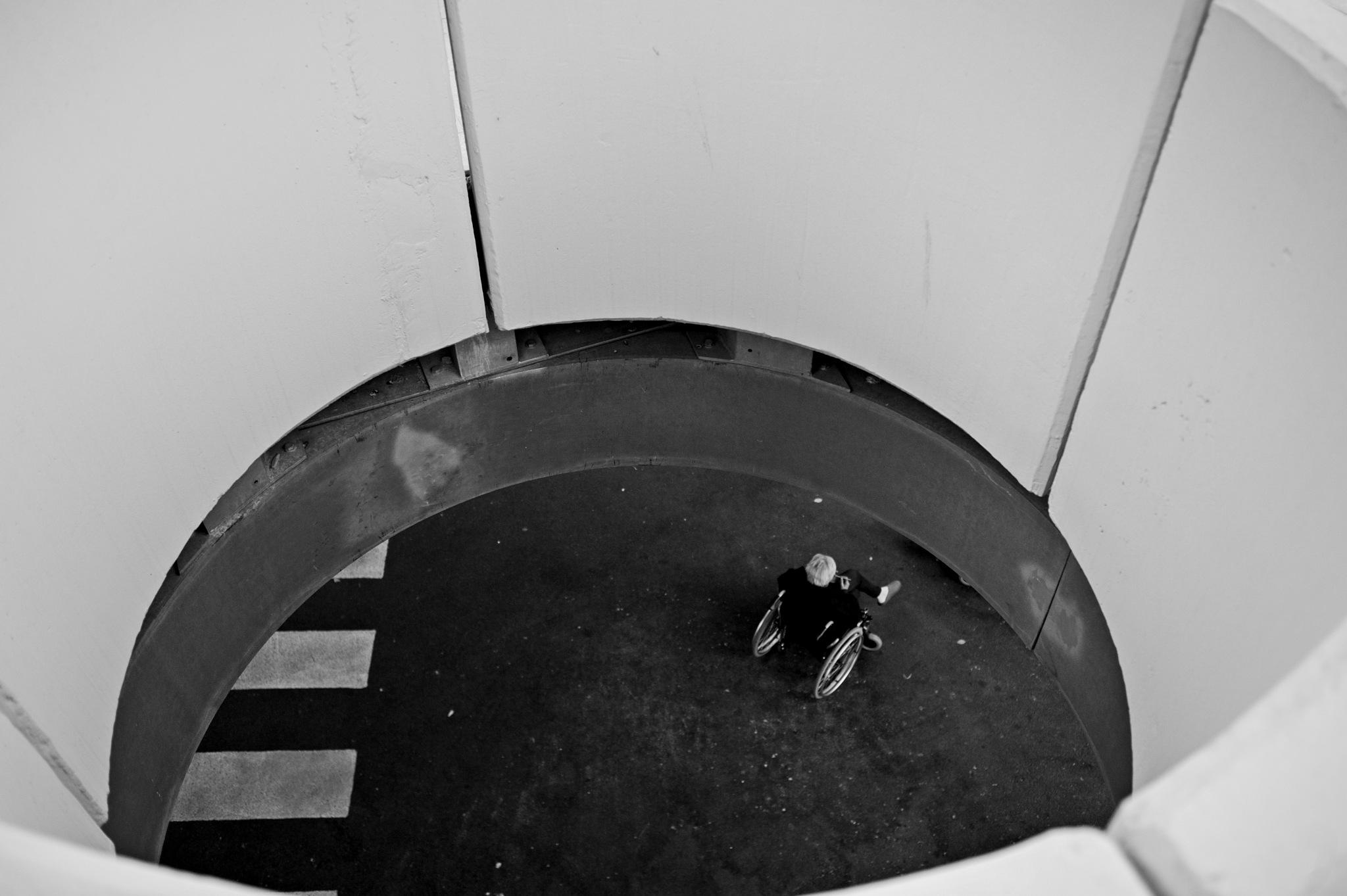 hole by Gianni Perini