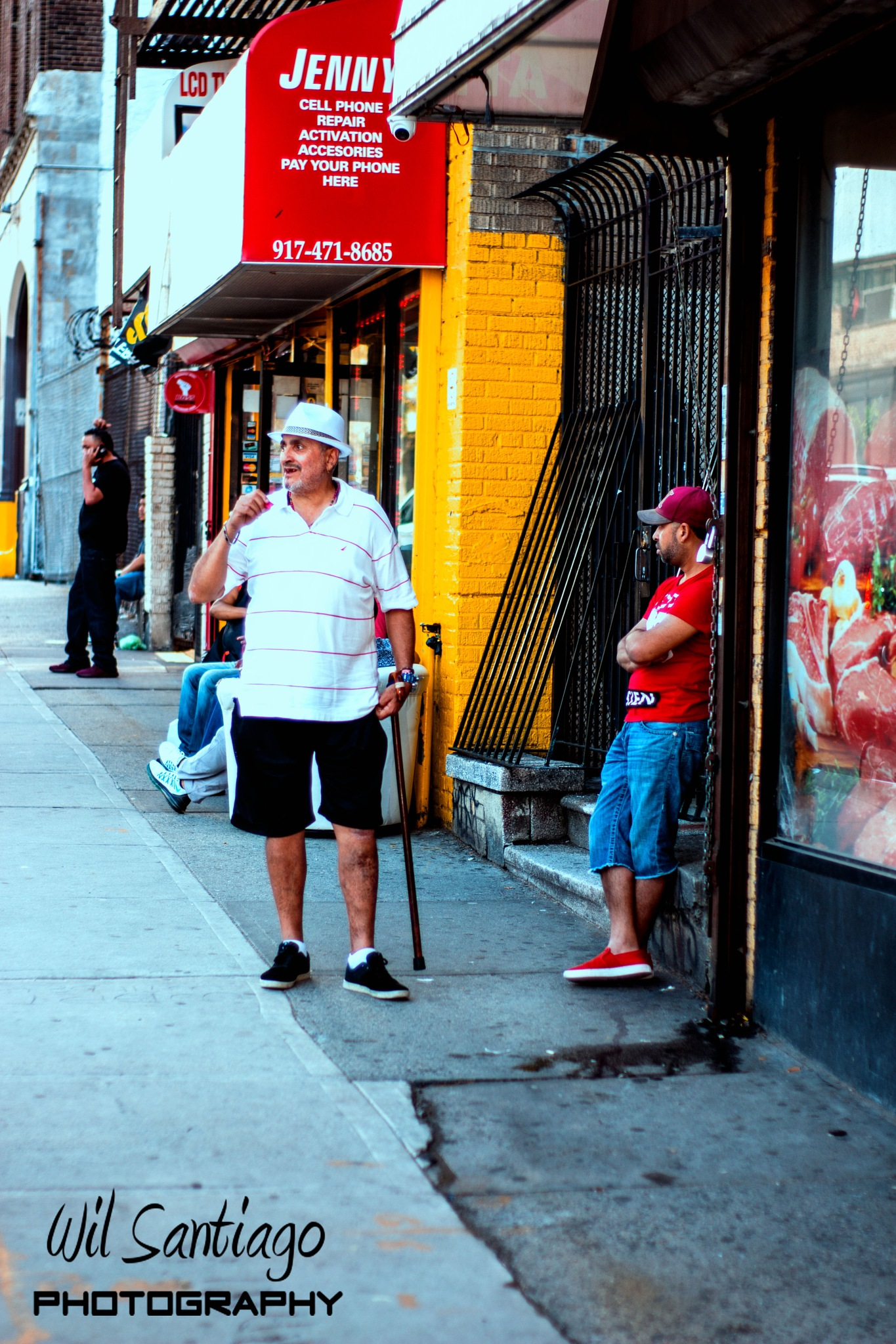 Casual conversation in the Bronx by WilSant