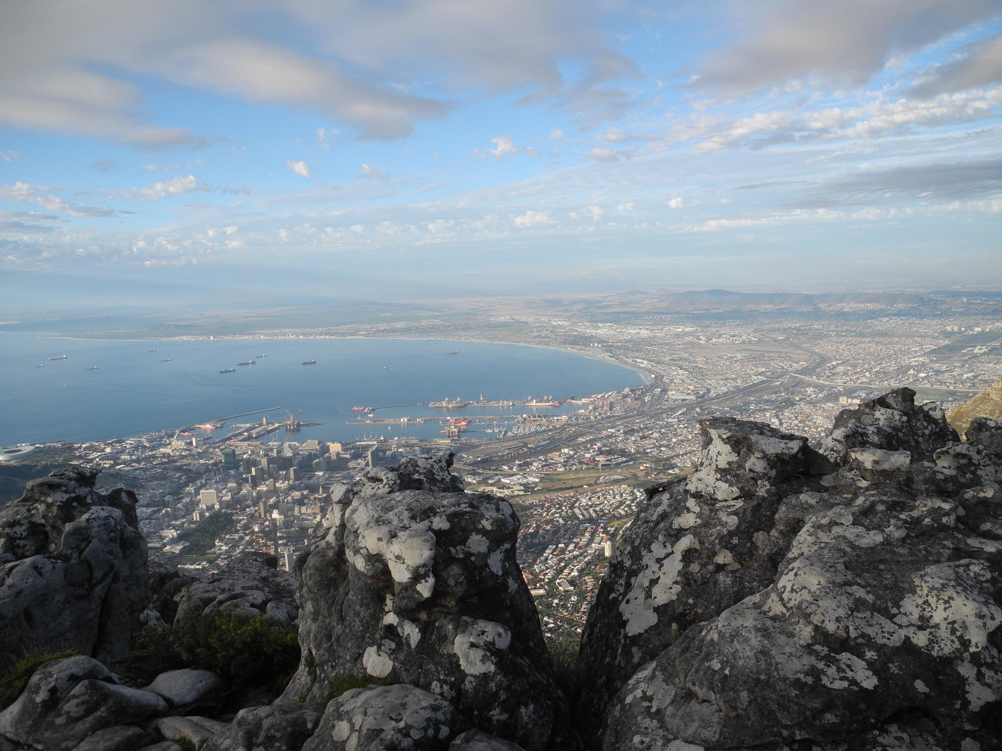 Cape Town from Table Mountain by nevanslombe