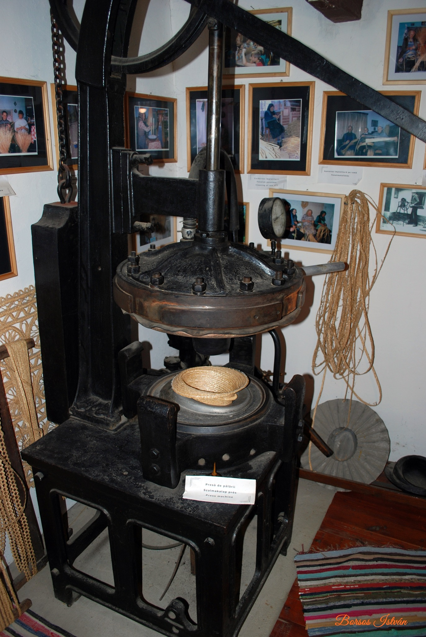 Szalmakalap múzeum – Kőrispatak, Erdély - Straw Hat Museum - Kőrispatak, Transylvania by Borsos István