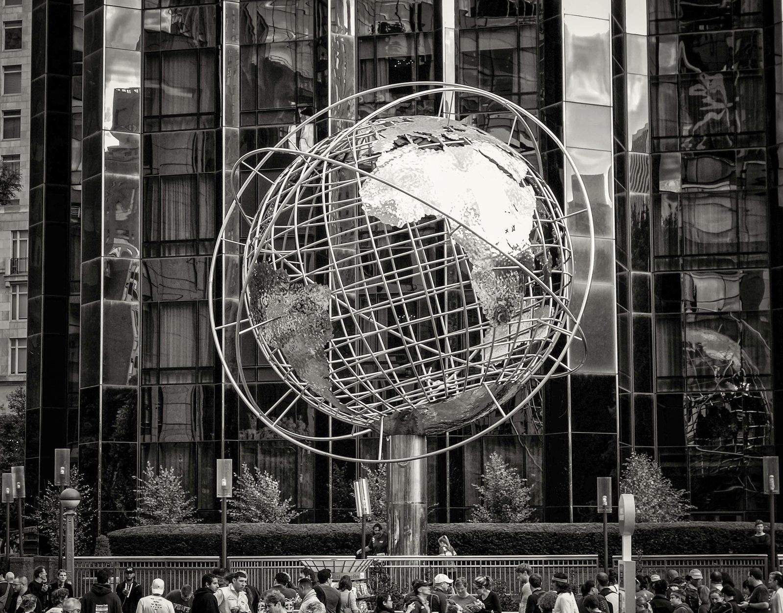 Silver Globe by NahyaraLacerda
