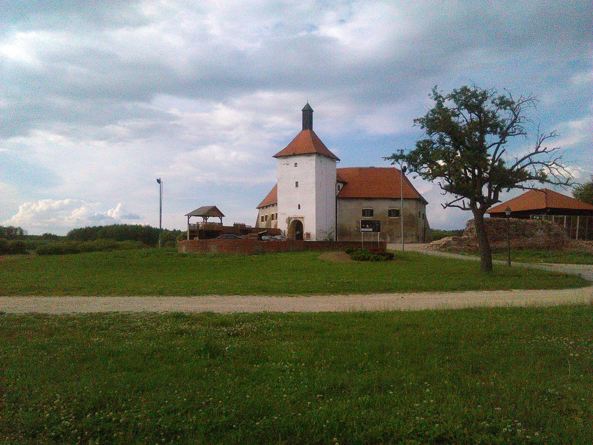Stari grad Đurđevac by Mary13