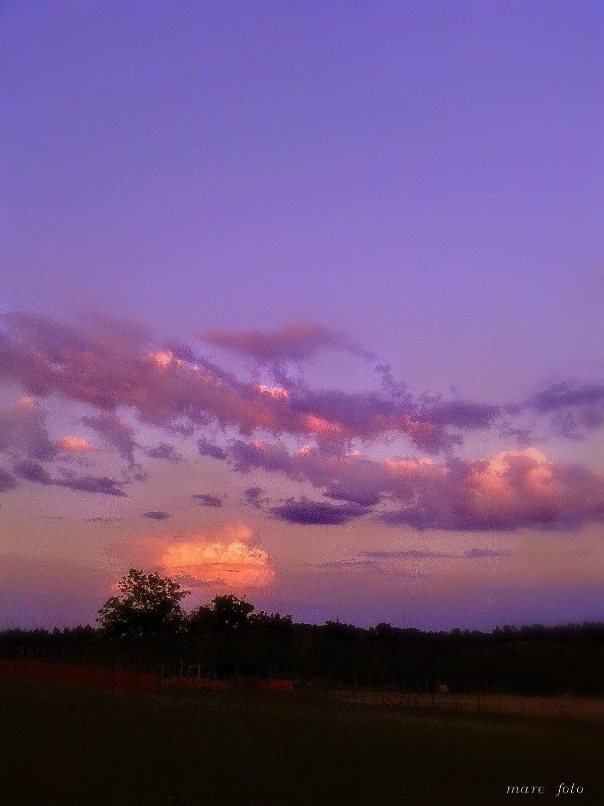 Oblaci by Marica Svigir