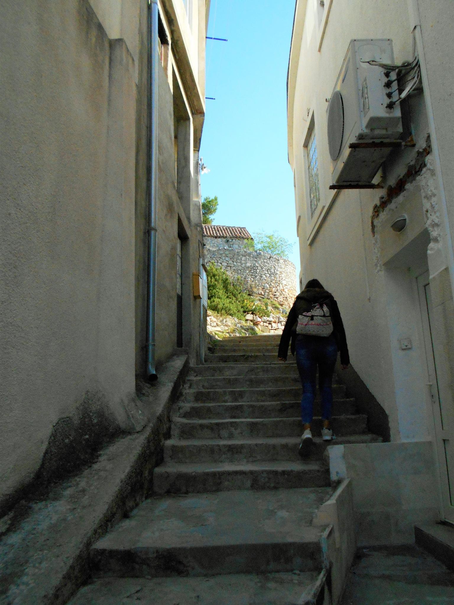 Uspon prema tvrđi u Skradinu by Mary13