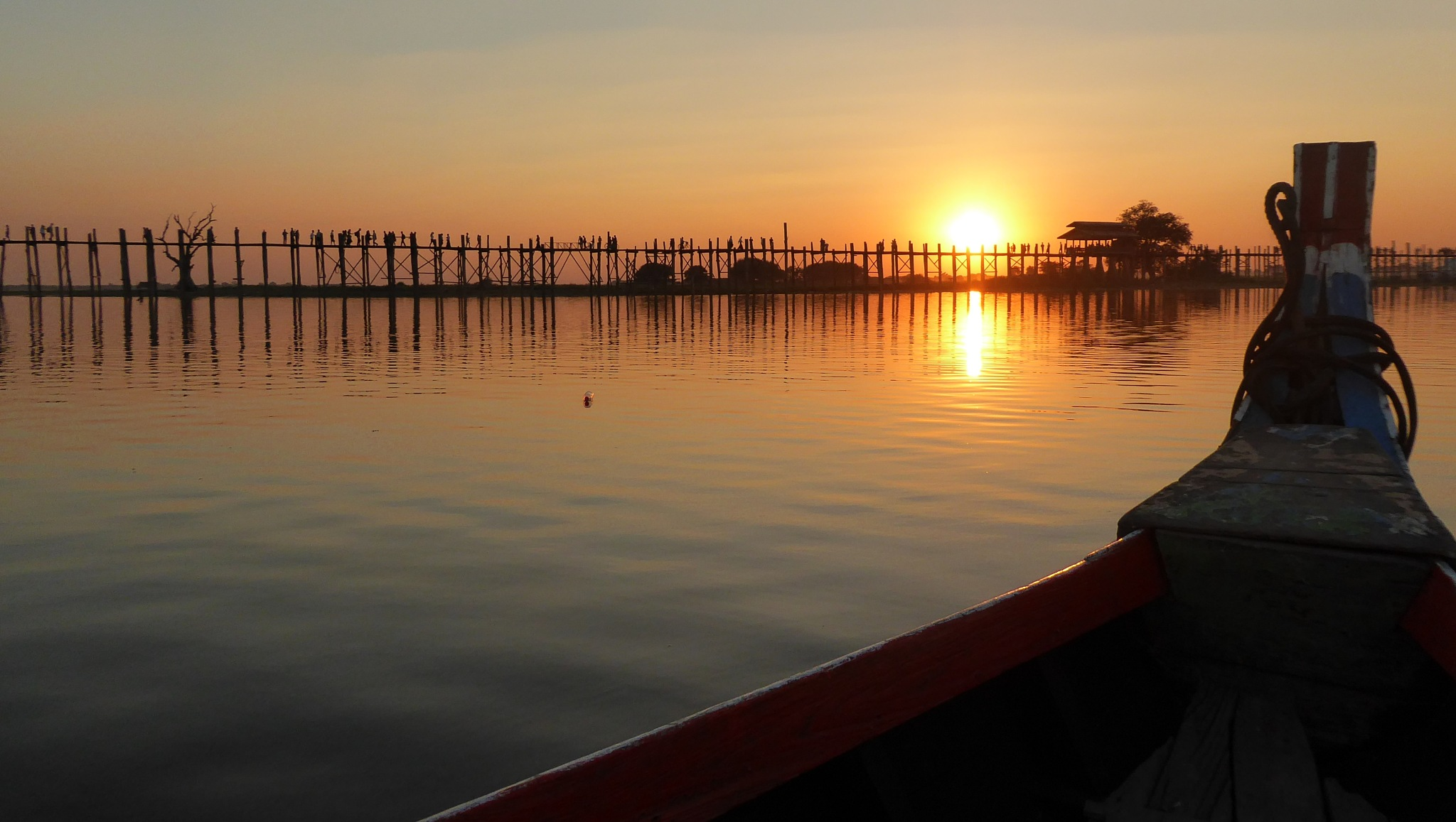 Sunset at the U Bein Bridge by Aroundtheworldin8000days