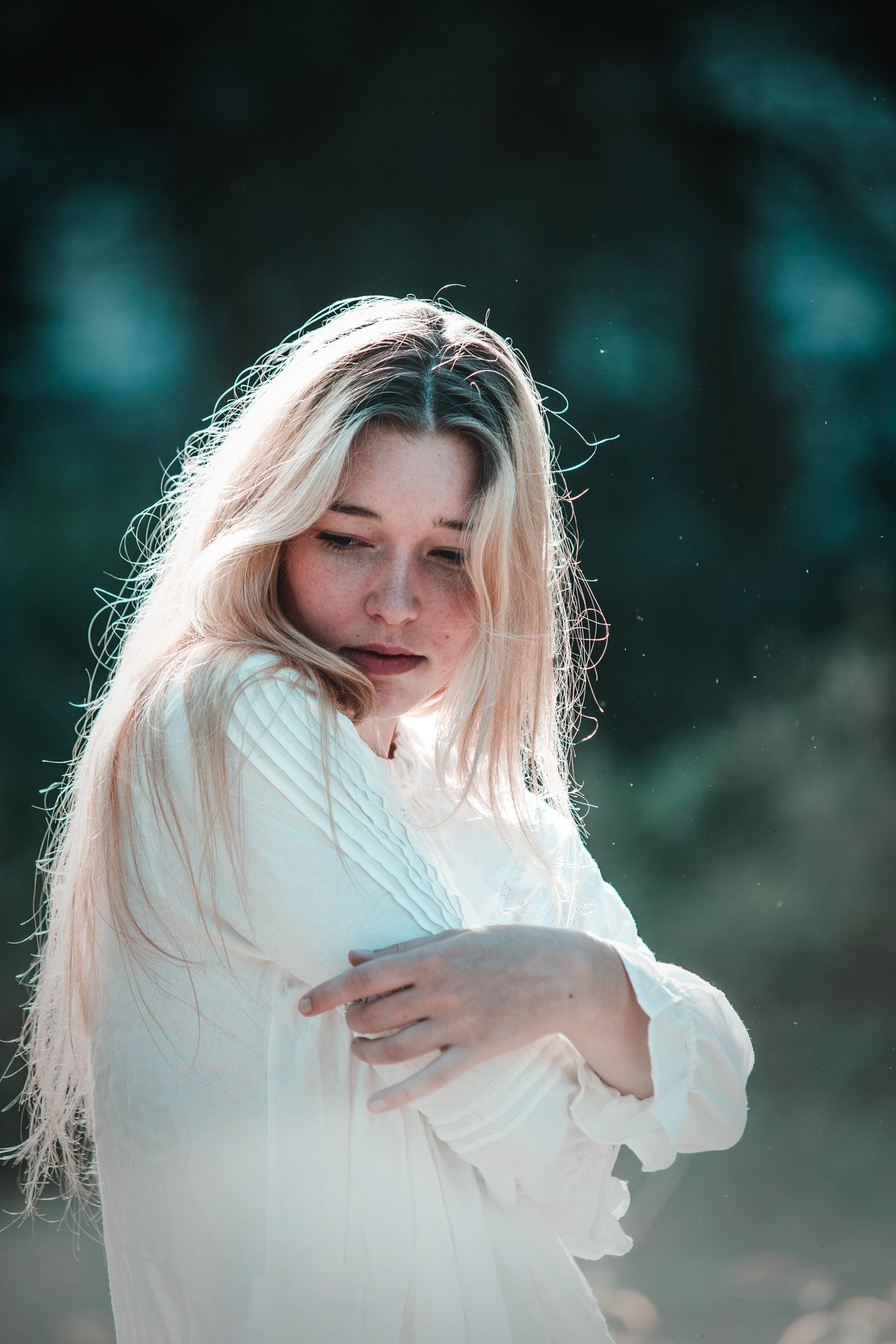 Anny Lise by Marie Beaulaton