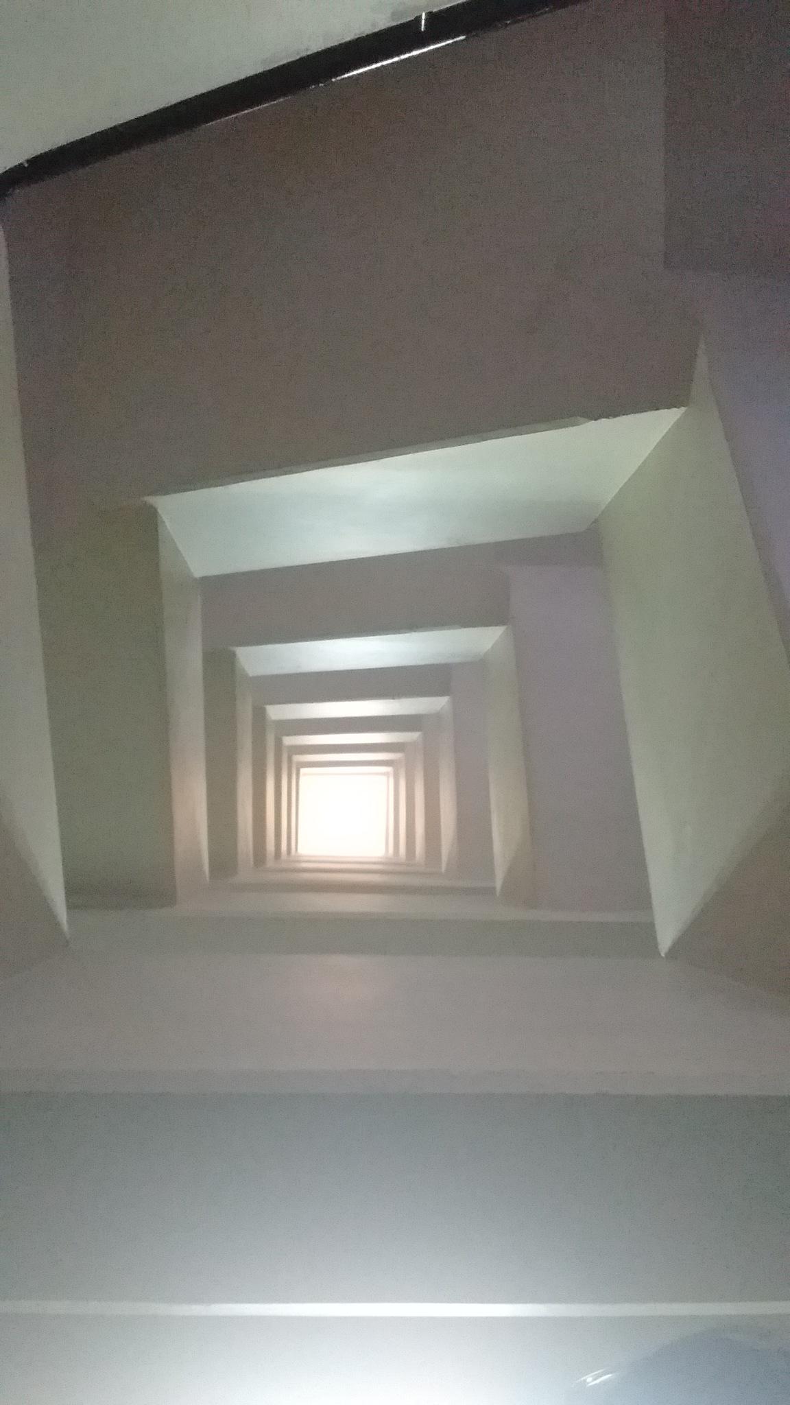 escaleras by Rodrigo Patricio Montoya Flores