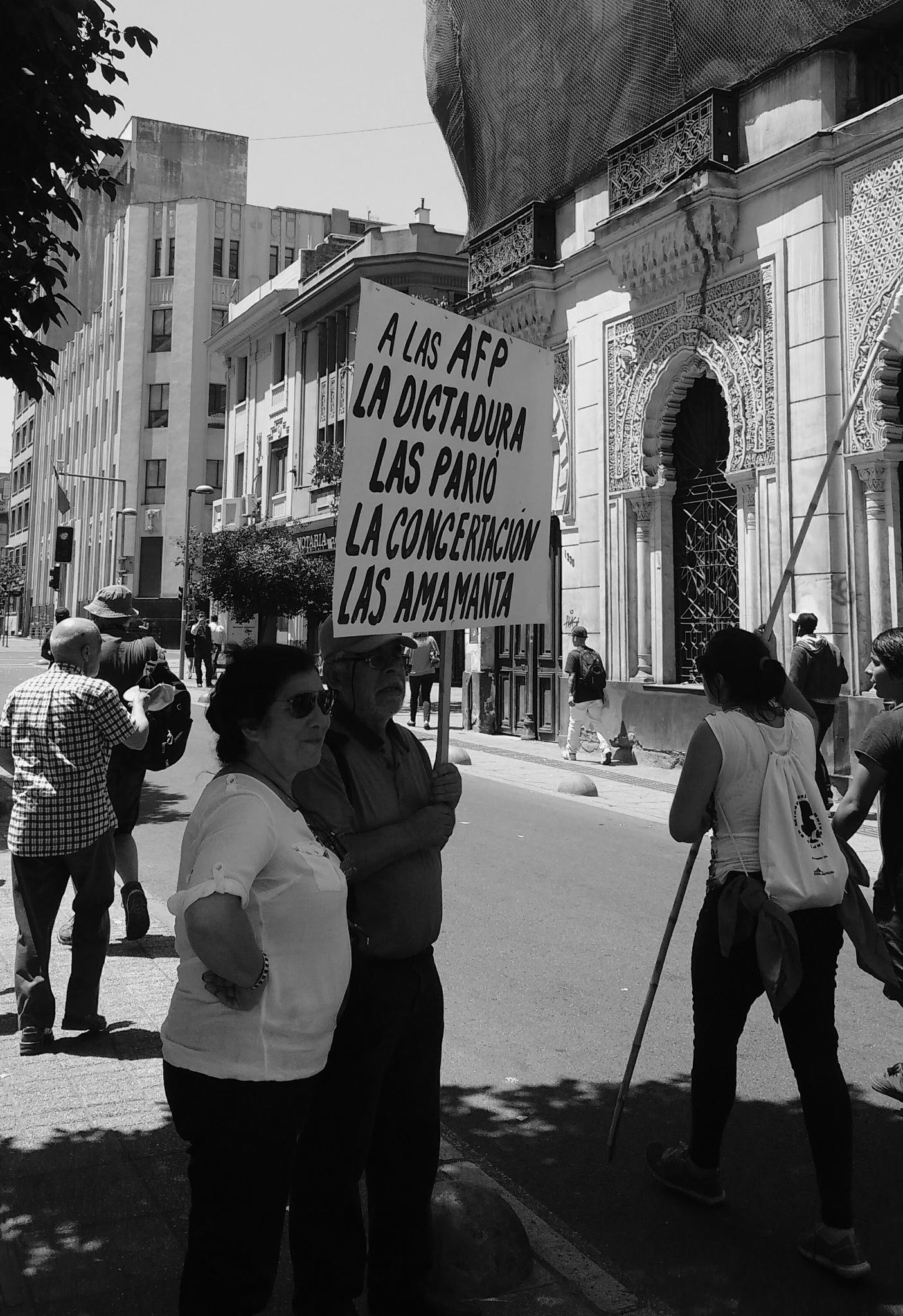 marcha no + AFP en Chile. by Rodrigo Patricio Montoya Flores