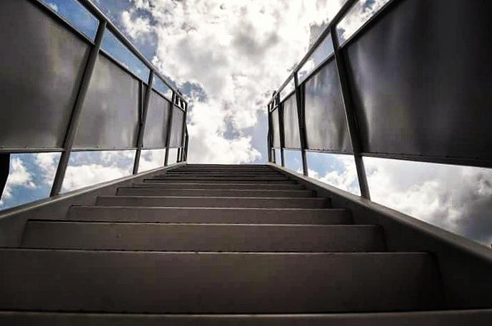 escalera al cielo by Rodrigo Patricio Montoya Flores