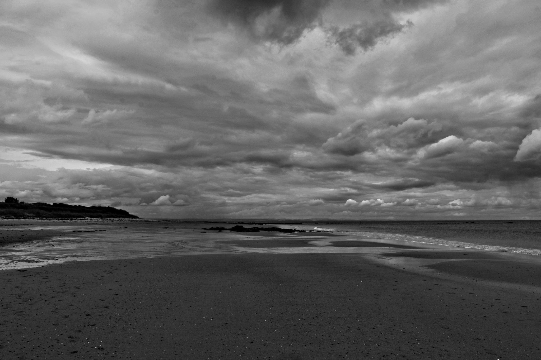 Deserted beach by Rich66