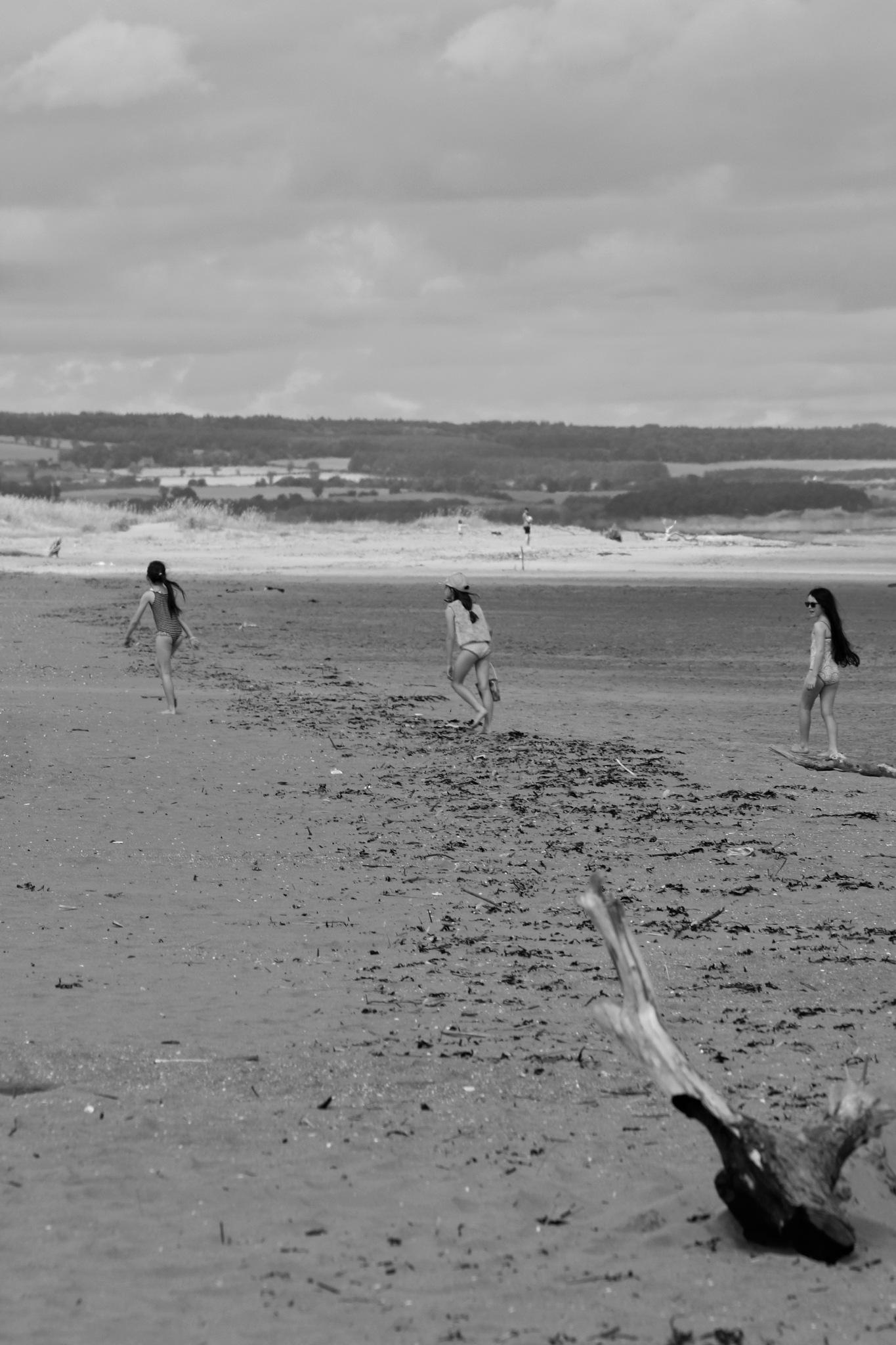 Beach scene by Rich66