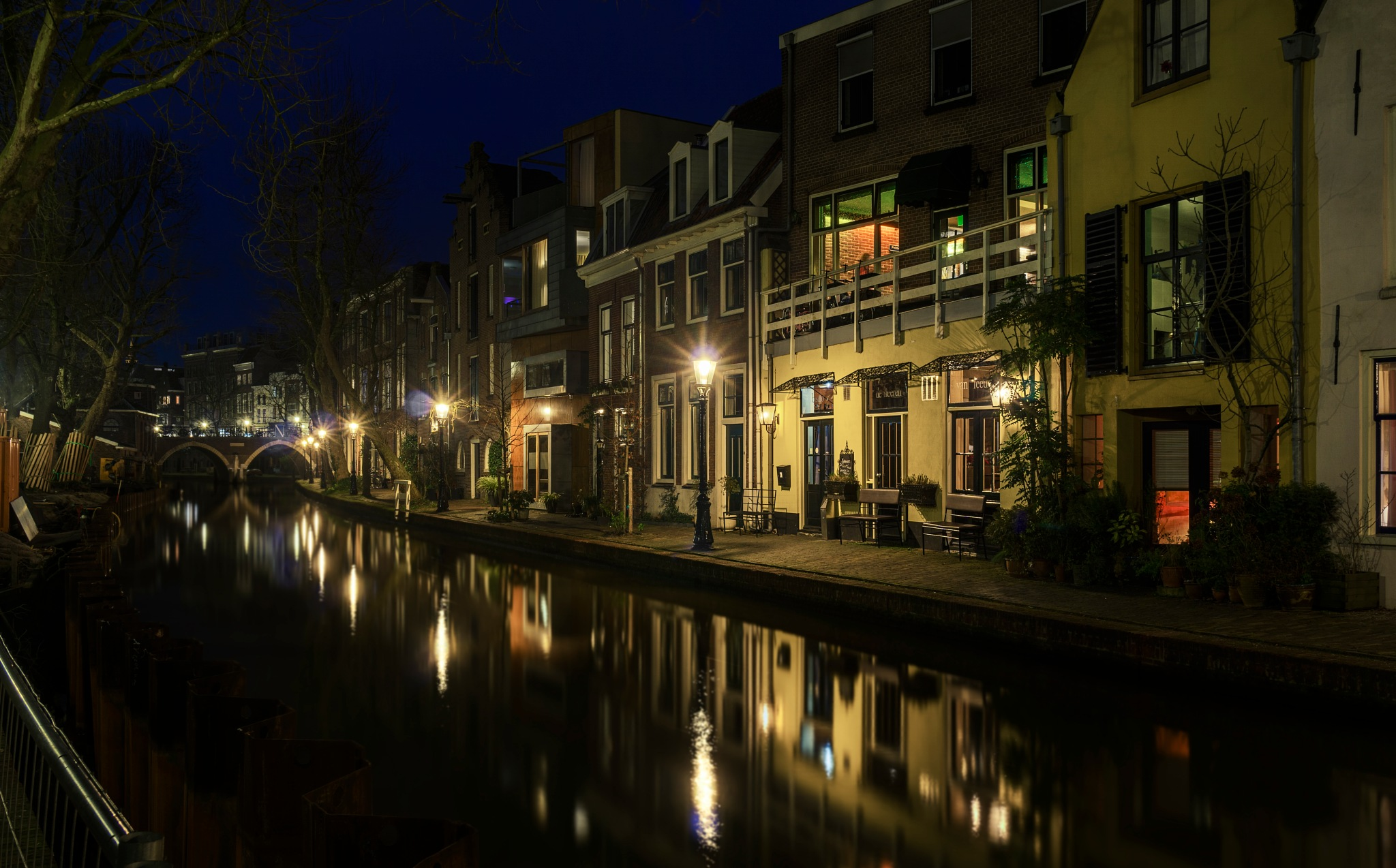 Canal lights by Shaggynum