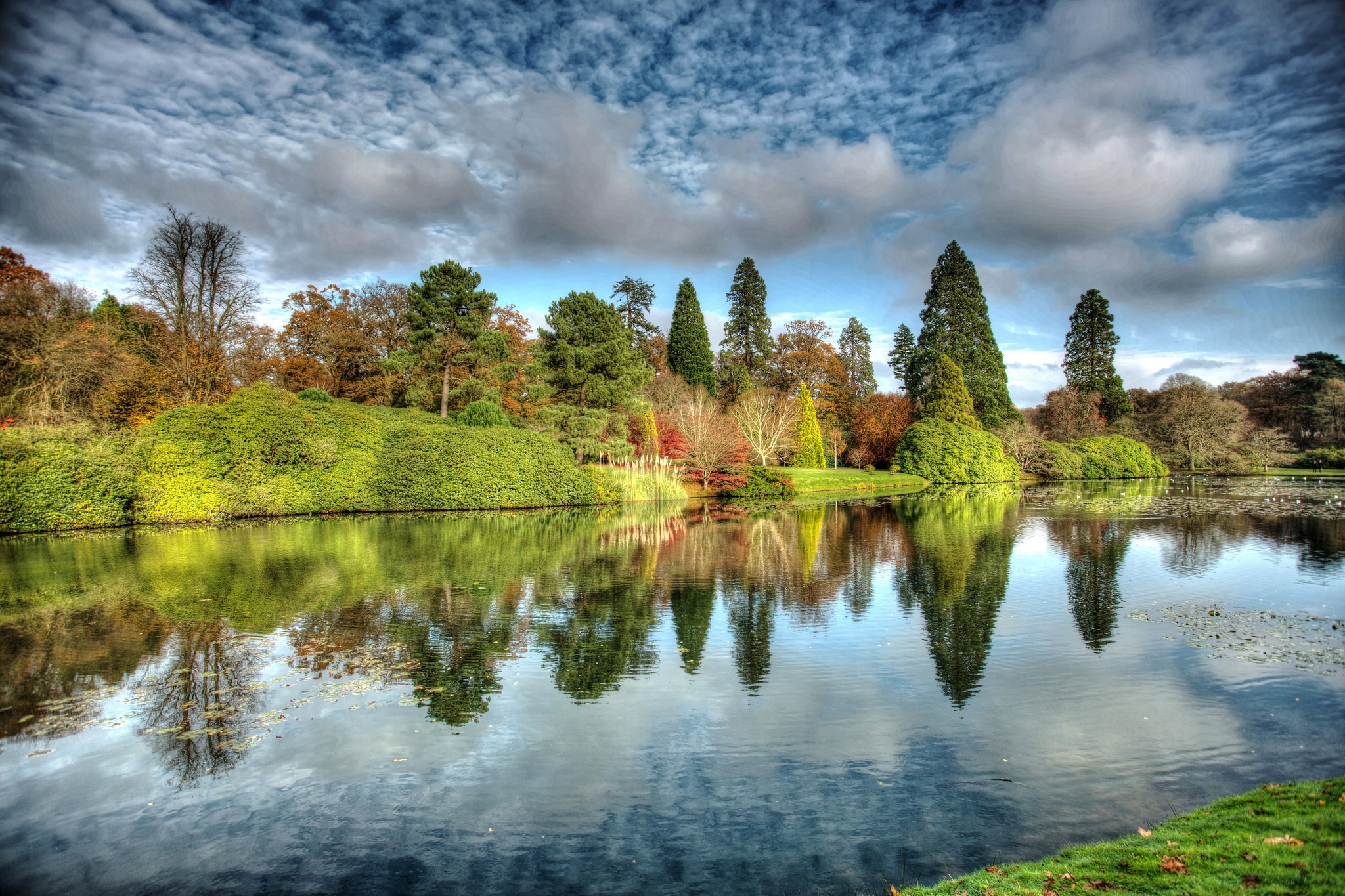 A Reflection of Autumn by Photographer Gino Cinganelli